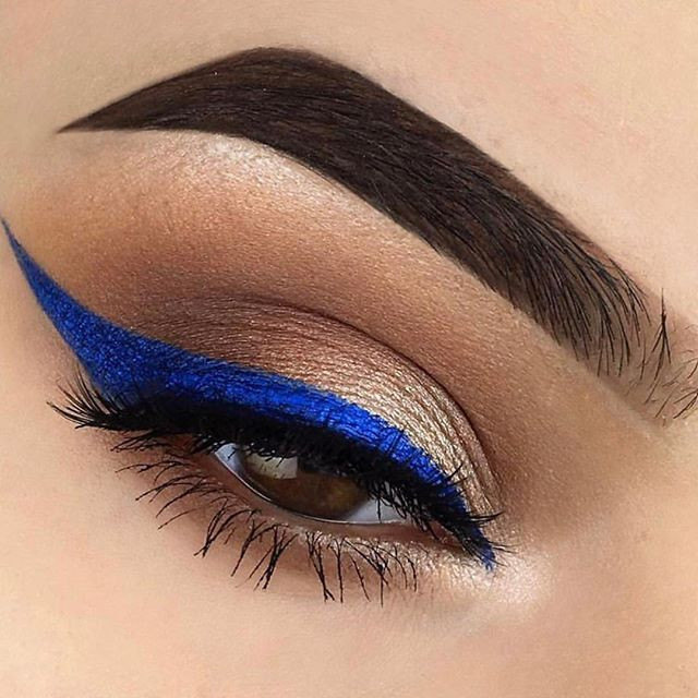 Yes to Blue wing liners! . . . .  Hair & Makeup By Stush  #stushbeautylounge #beautyqueensandco #wedding #trends #atlantawedding #insta4follow #modernluxry #pr #publicrelations #love #fashion #blowoutbar #blowdrybar #beauty #insta4followers #bridesmaids #atlanta #atl #atlhairstylist #makeupartist #flattummytea #braids #salon #blackgirlmagic #instalikes #decor #interiorstylist #buckhead
