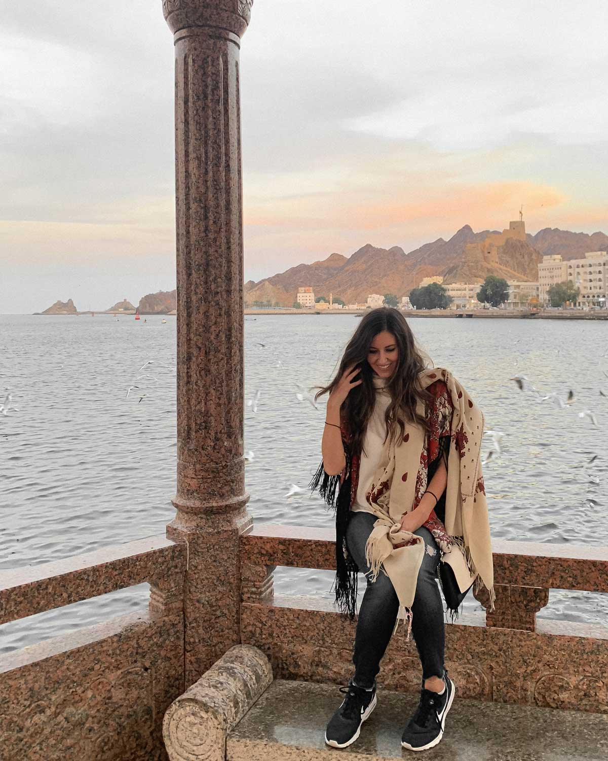 Rachel in Oman with her Pashmina