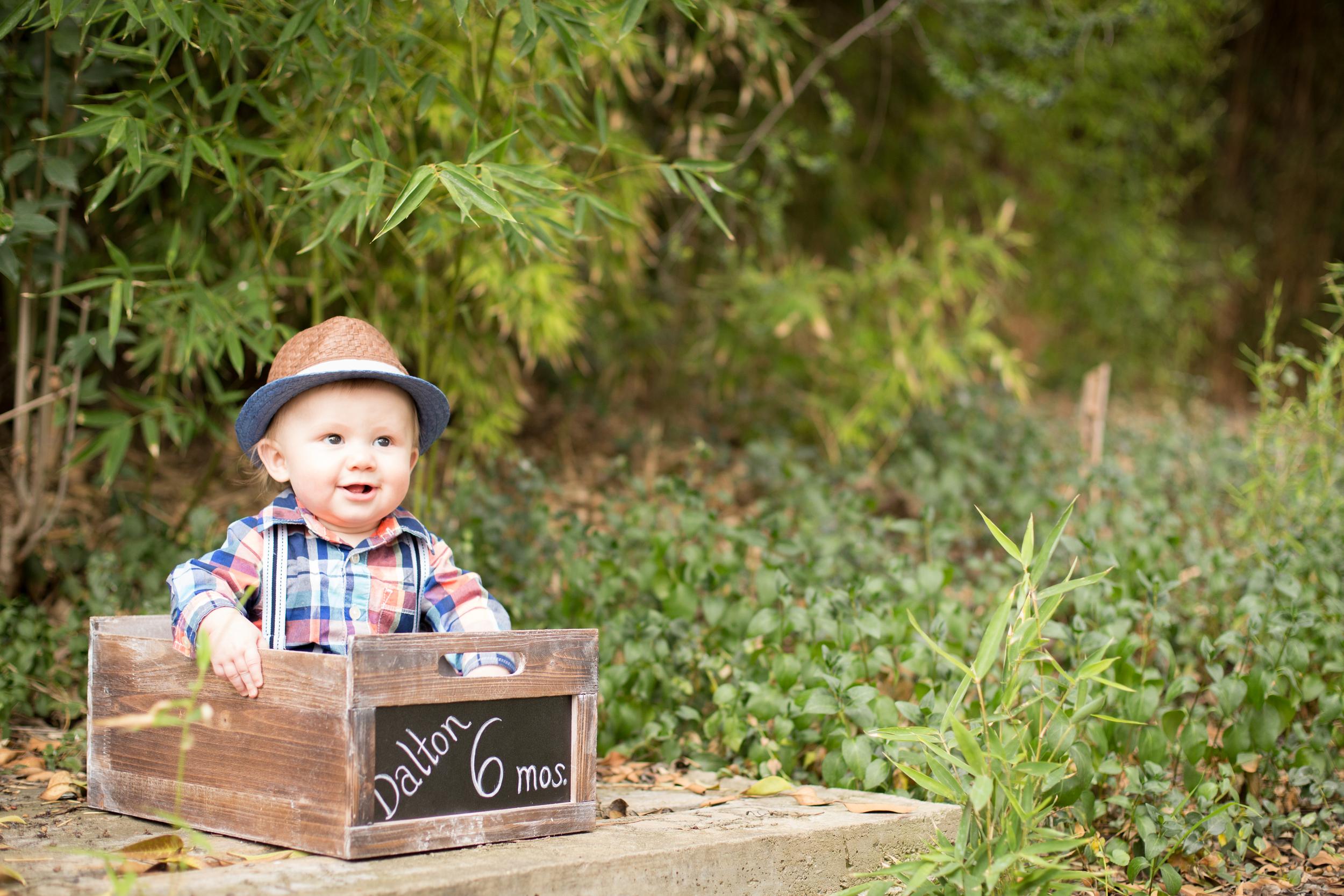 Dalton 6 month-23.jpg