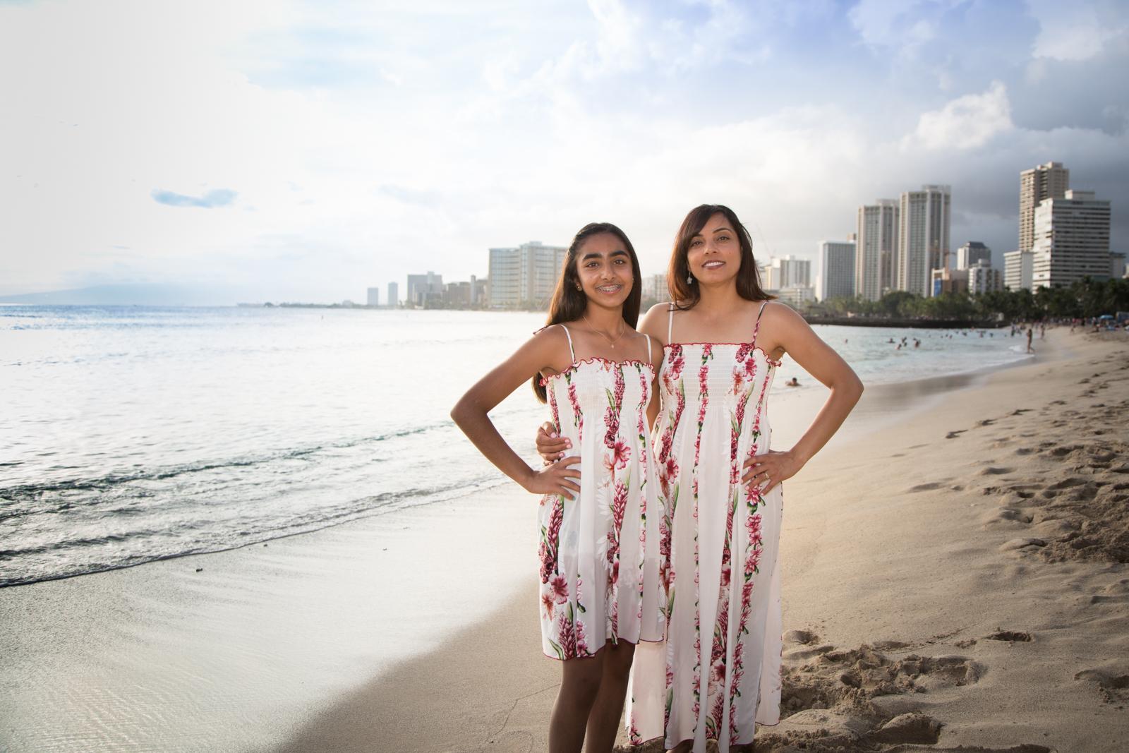 Waikiki Beach Family-22.jpg