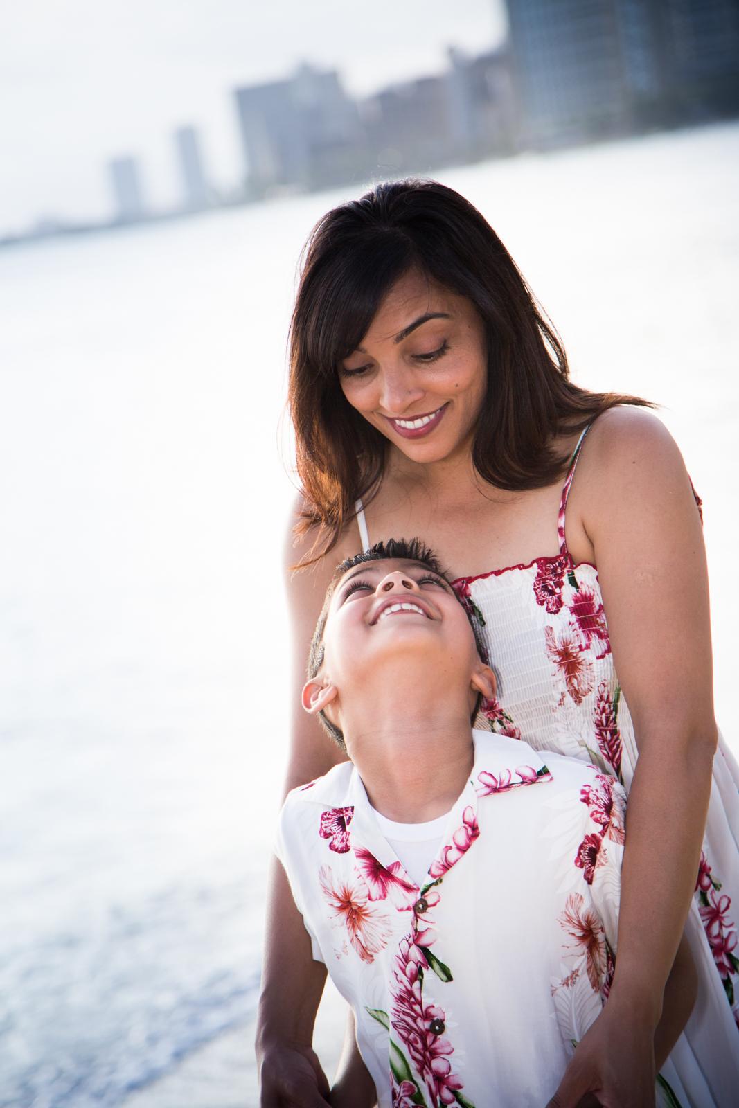 Waikiki Beach Family-24.jpg