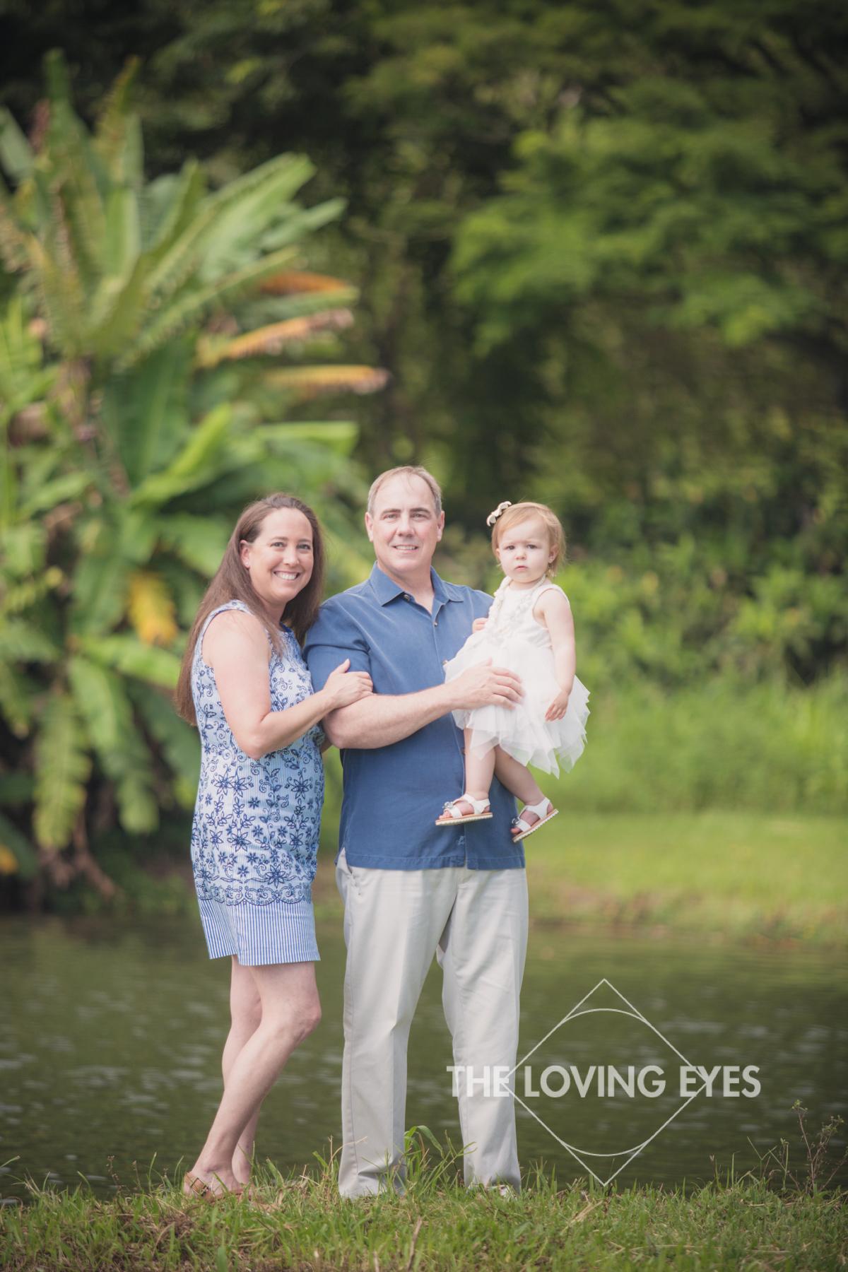 Family portrait in Hawaii at Hoʻomaluhia Botanical Gardens