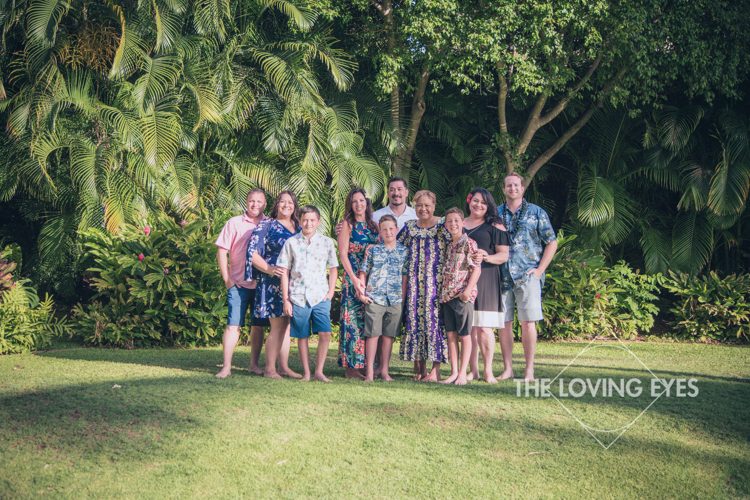 Multi-generational family portrait during a Hawaii vacation in the garden at the Hilton Hawaiian Village