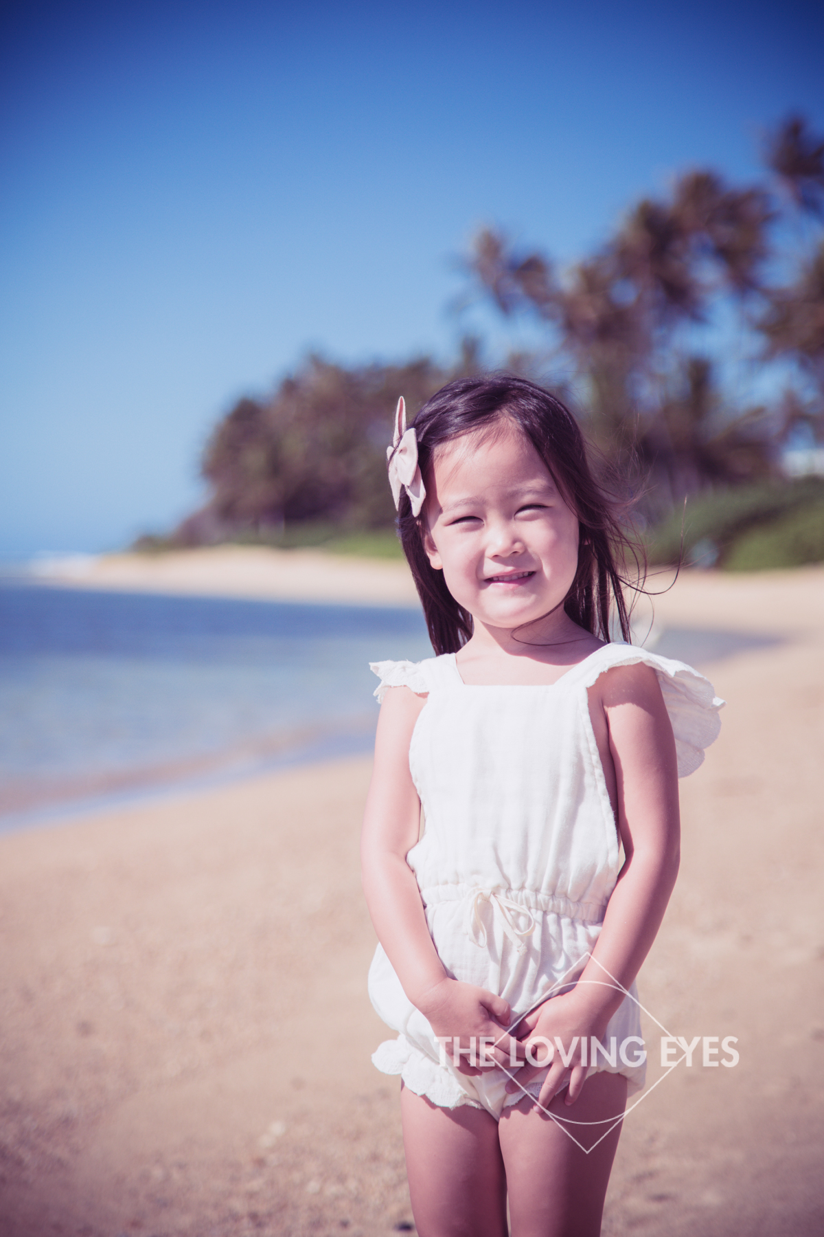 Child portrait on the beach in Hawaii