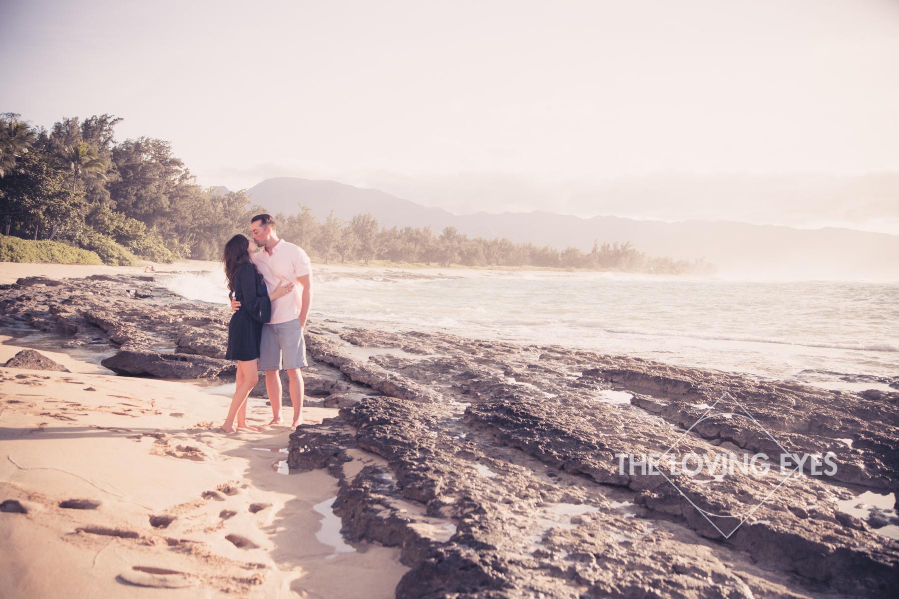 Hawaii engagement photos on the beach