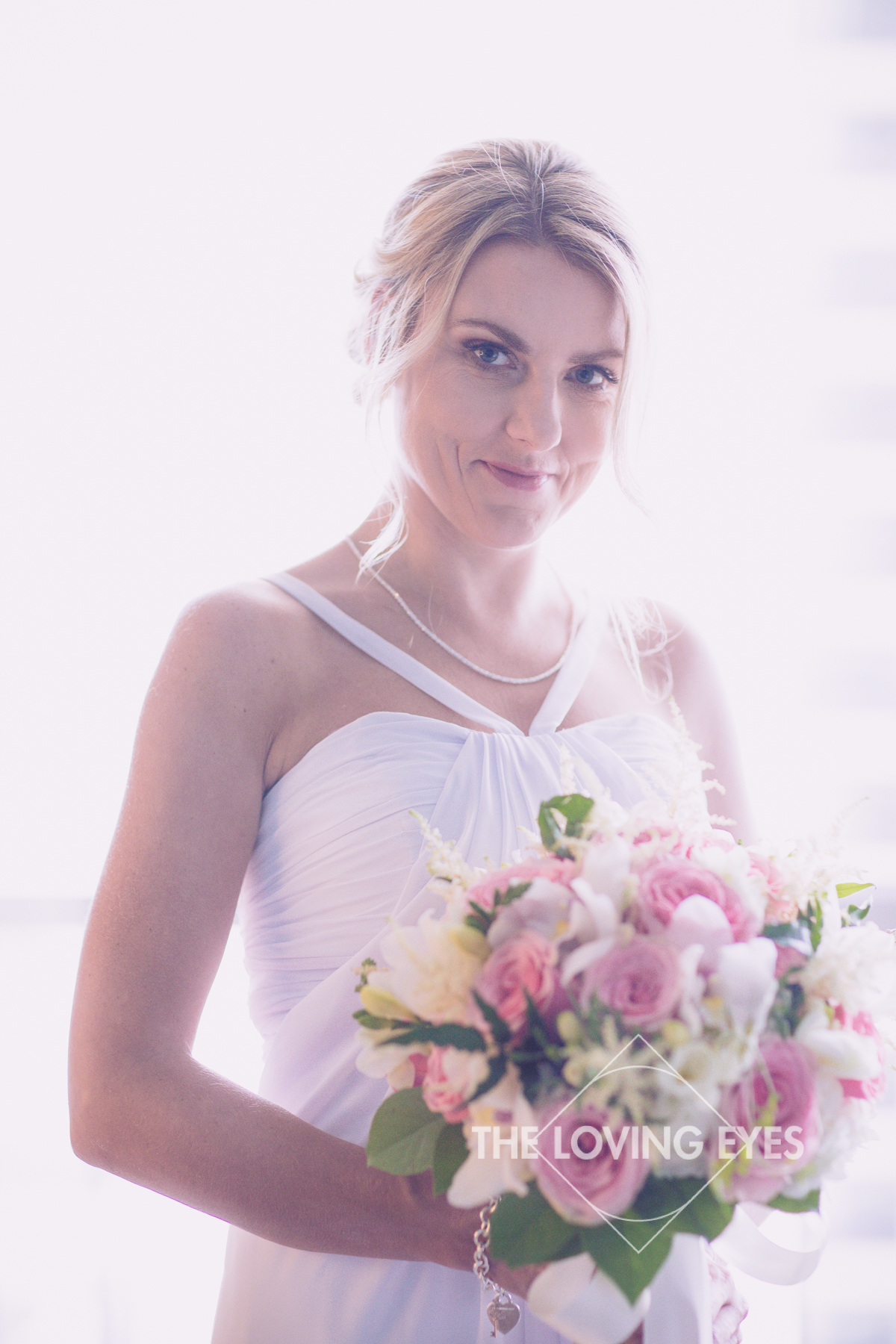 Bridal portrait with bouquet on wedding day in Hawaii