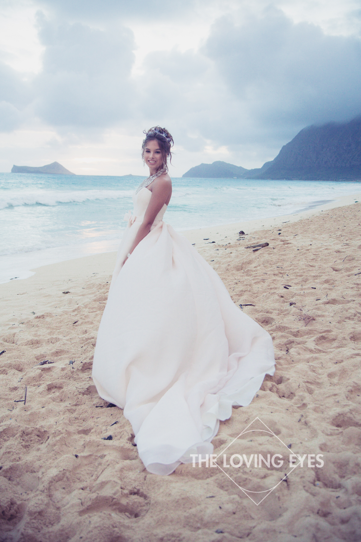 Quincennera photo on the beach in Hawaii