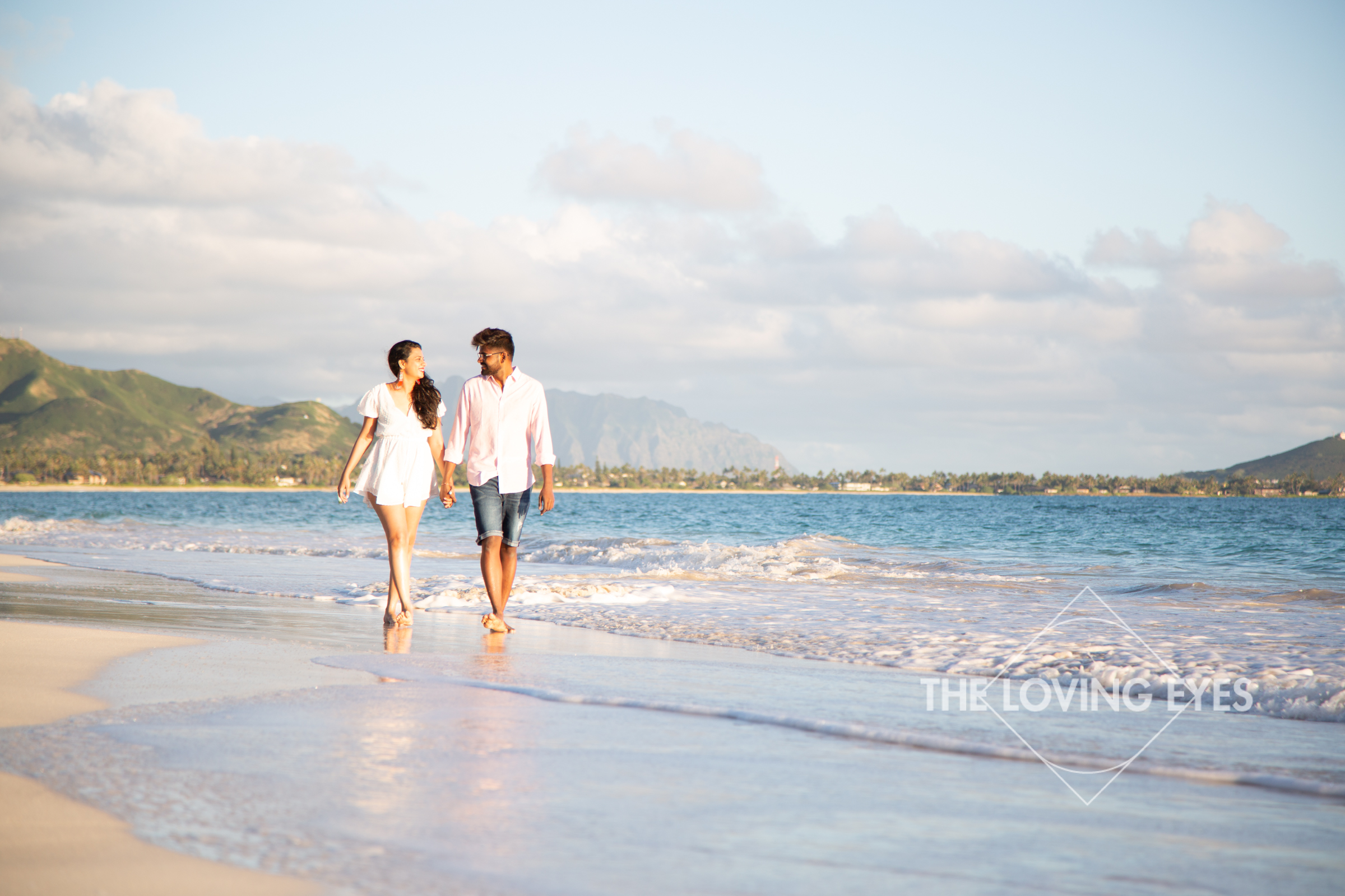 Couple photography on the beach in Kailua