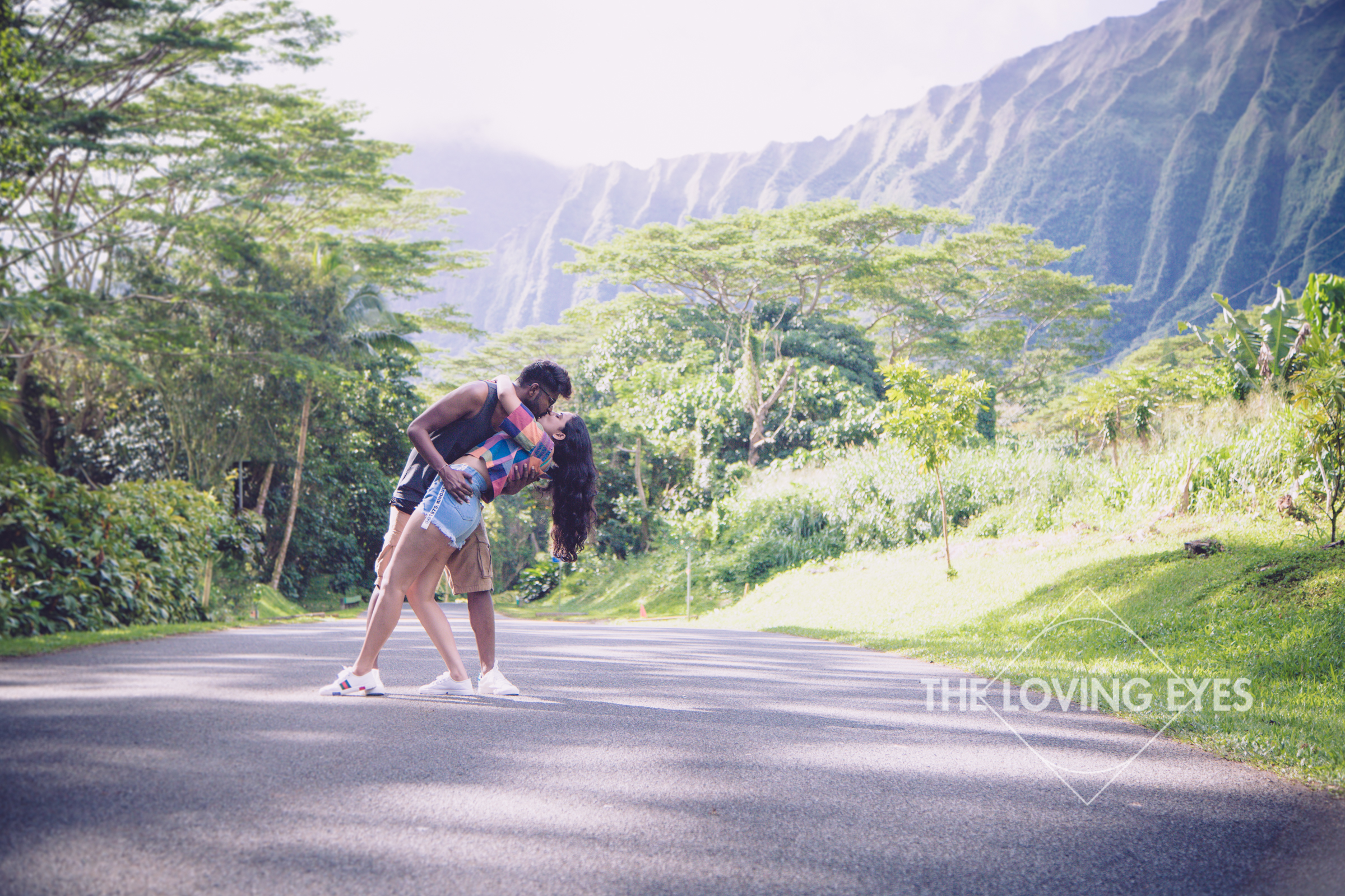 Couple photography tour in Hawaii at Hoomaluhia Botanical Gardens