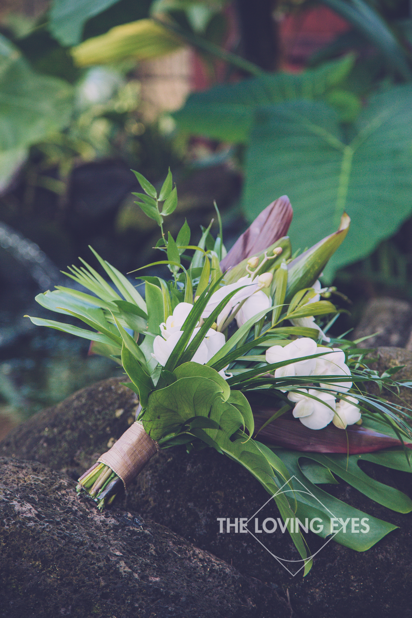 Tropical bridal bouquet at wedding in Hawaii