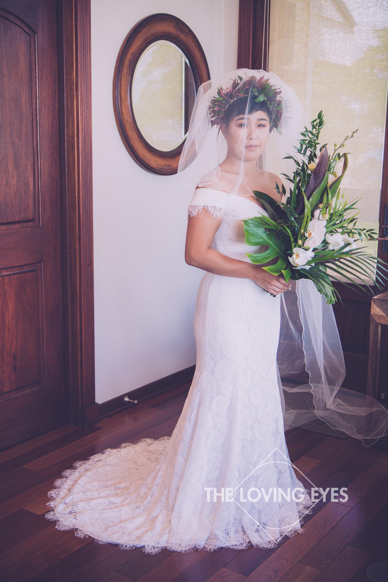 Bridal portrait before wedding at the Tiki Moon Villas in Hawaii