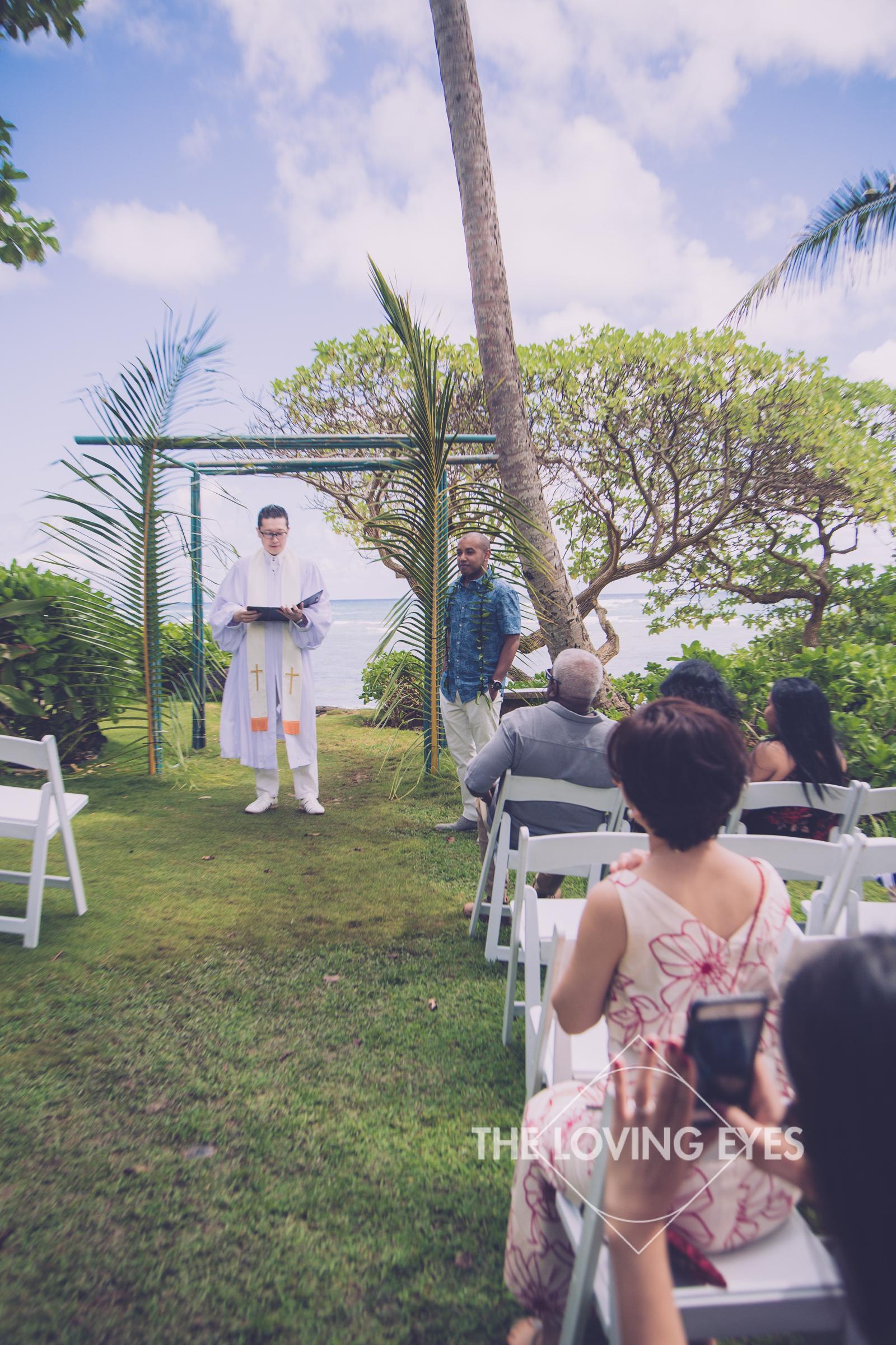 Beach wedding ceremony at the Tiki Moon Villas in Hawaii
