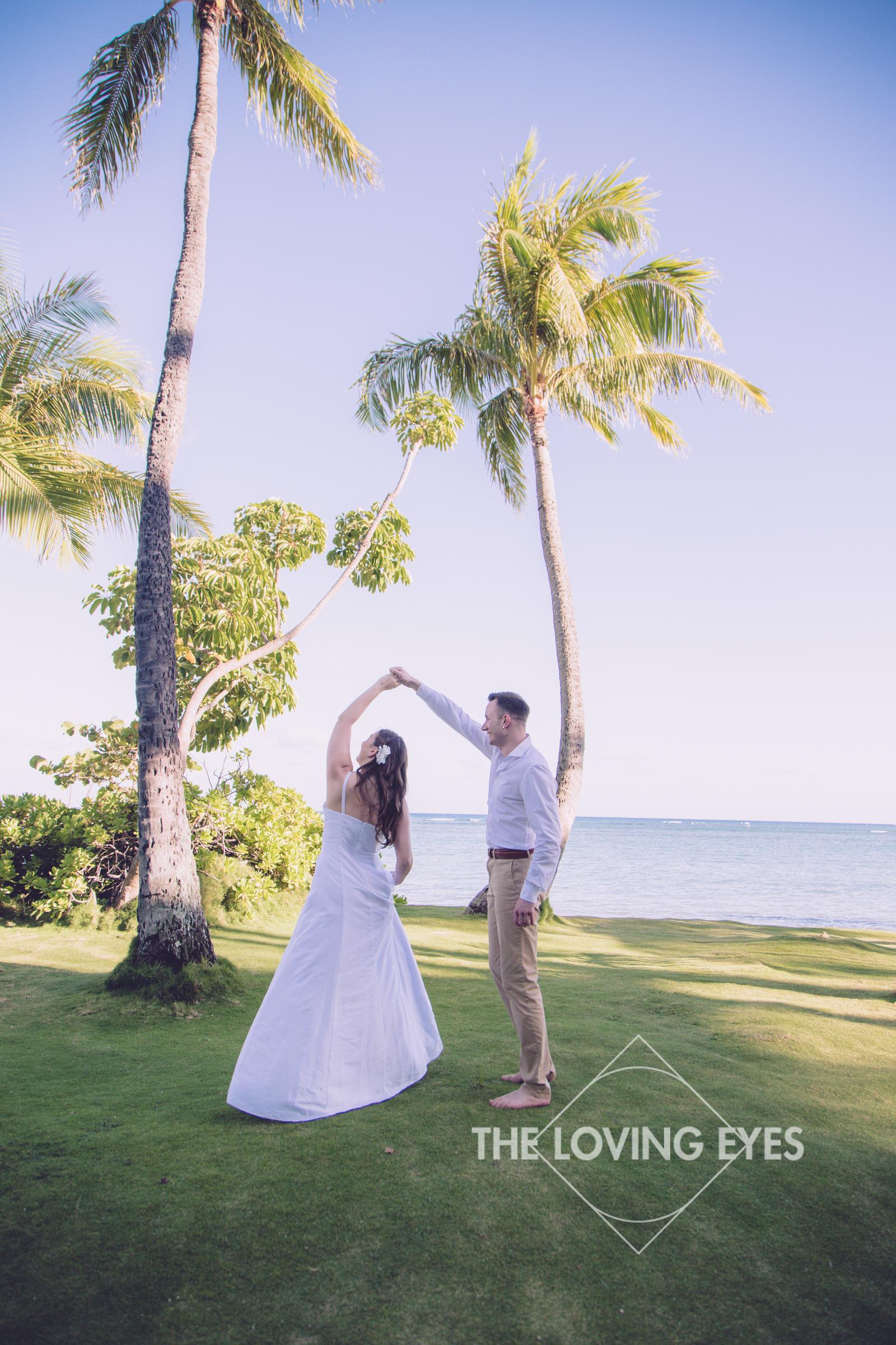 Hawaii-beach-elopement-5.jpg
