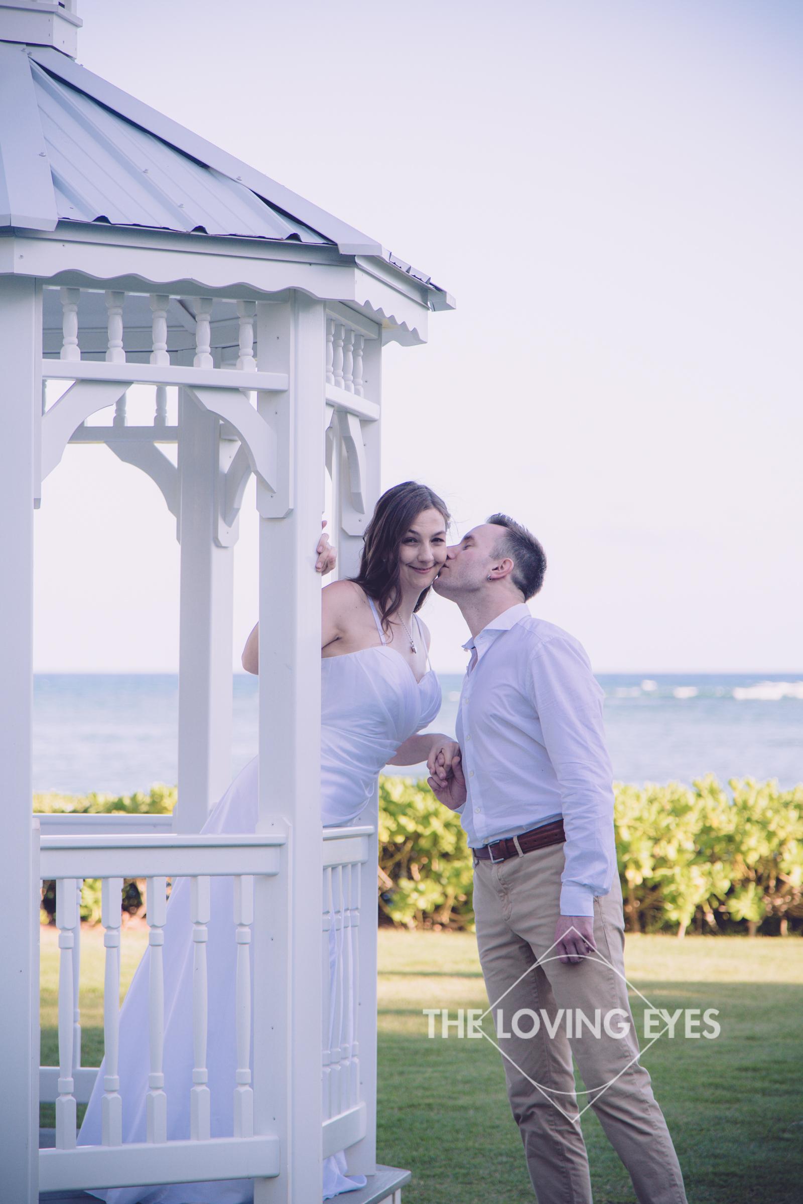 Hawaii-beach-elopement-7.jpg