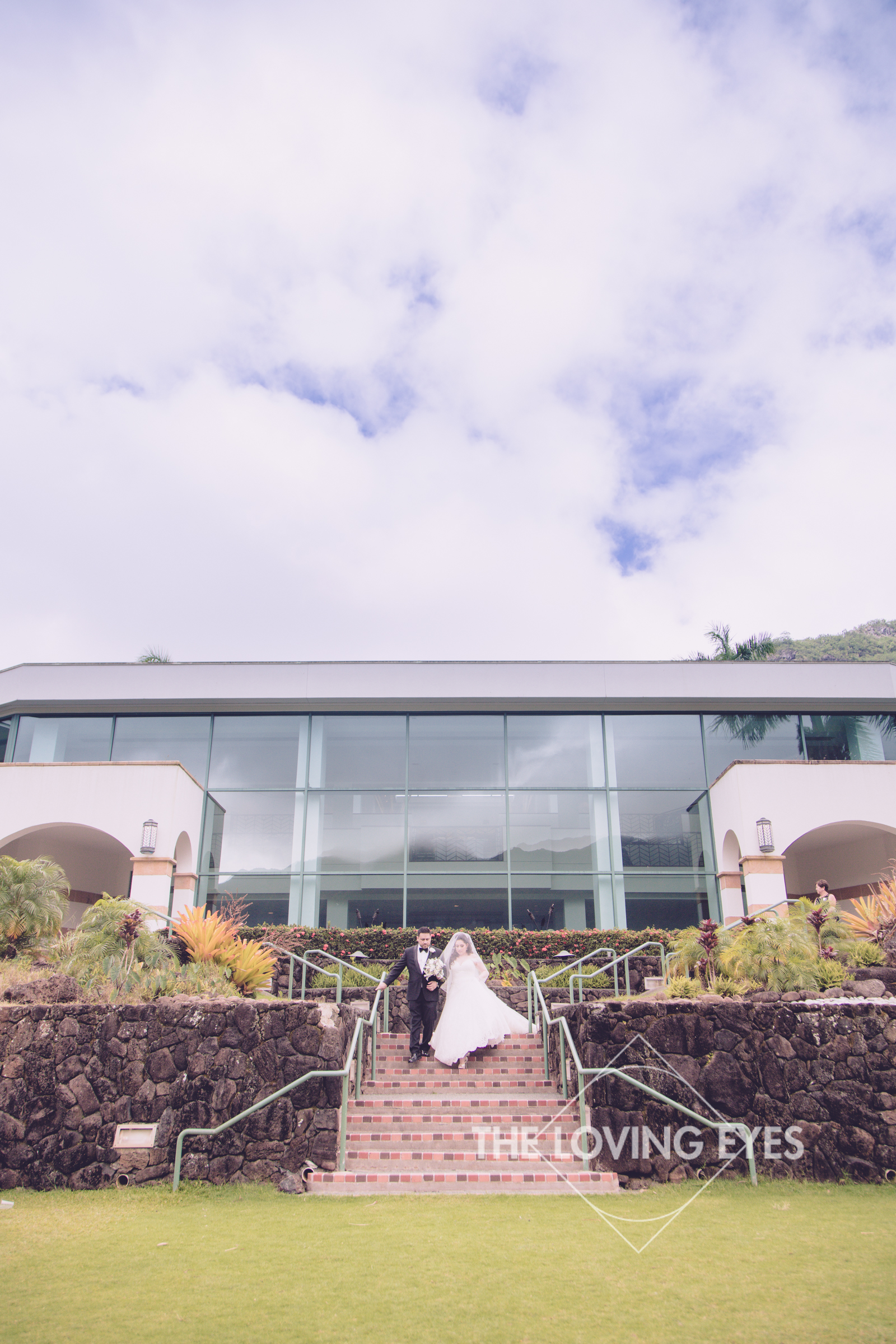 Destination wedding at Royal Hawaiian Golf Club-16.jpg