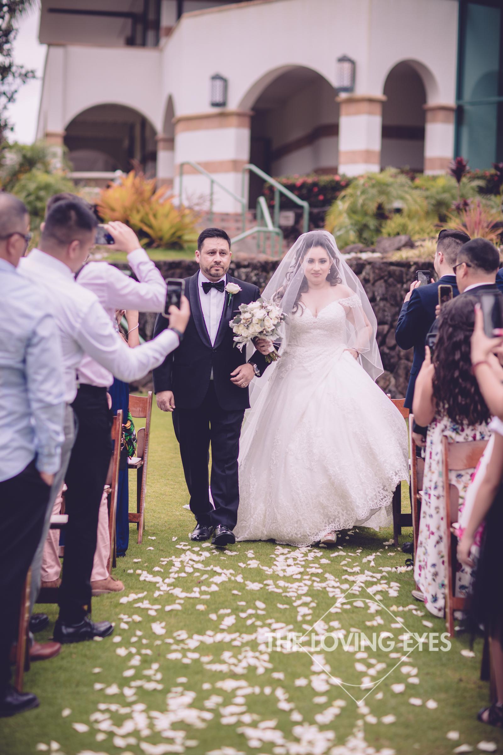 Destination wedding at Royal Hawaiian Golf Club-18.jpg