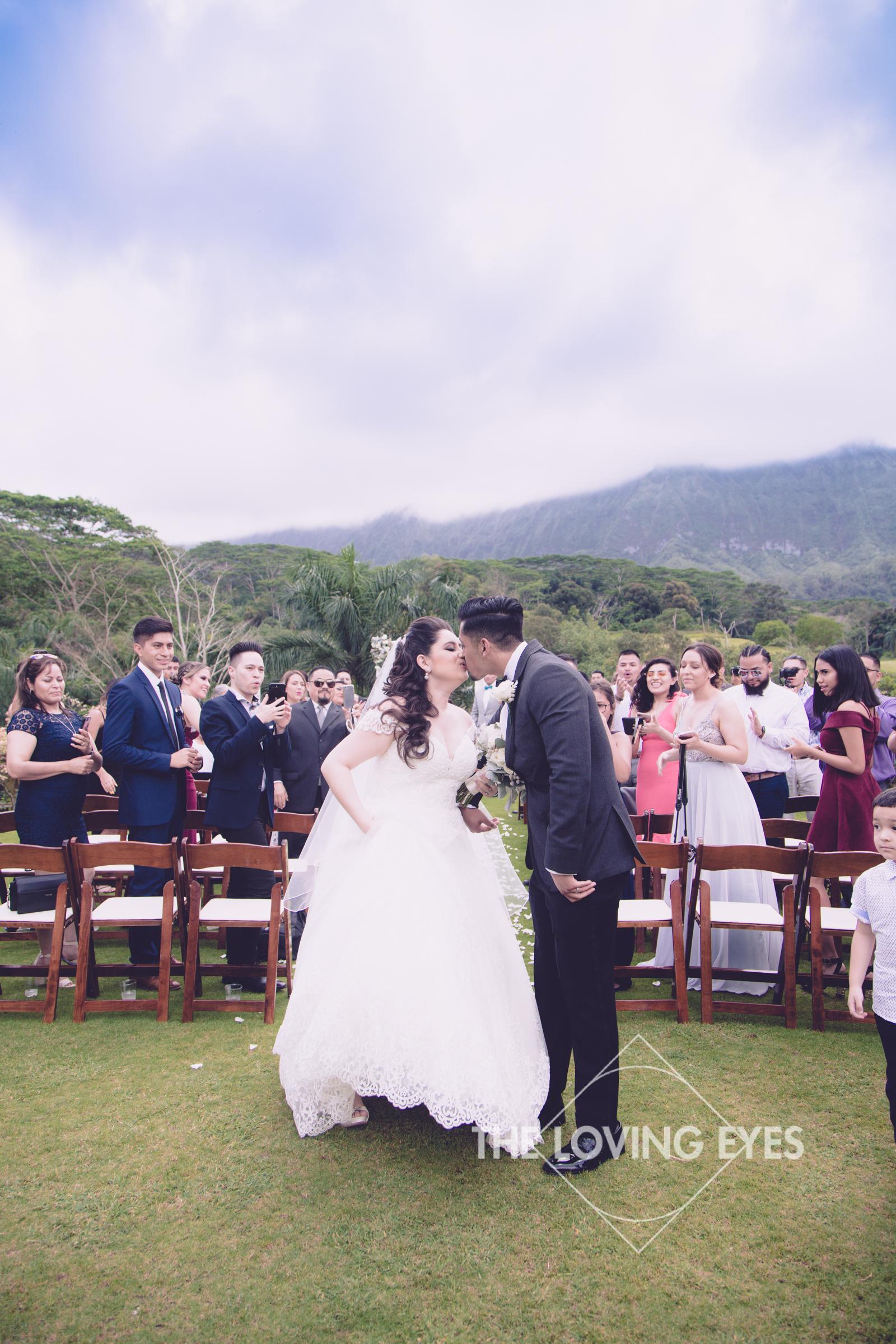 Destination wedding at Royal Hawaiian Golf Club-20.jpg