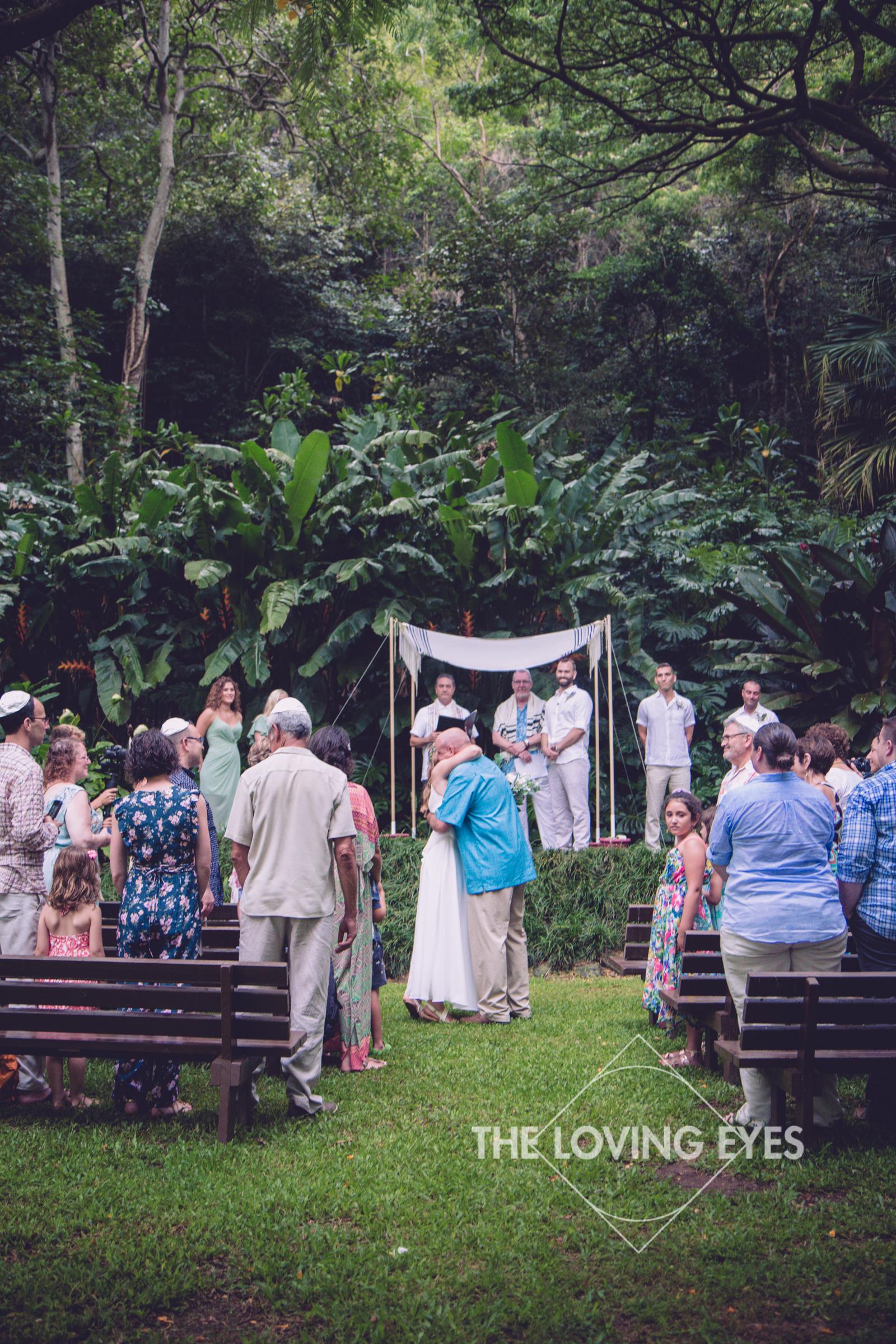 Destination Wedding at Waimea Valley-17.jpg