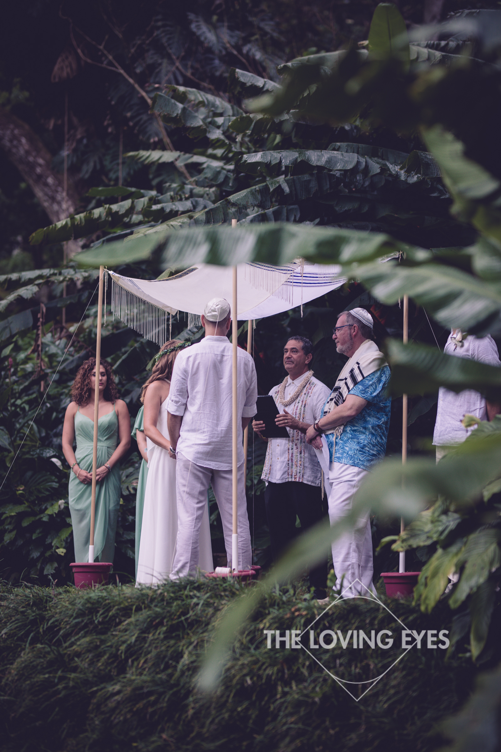 Destination Wedding at Waimea Valley-19.jpg