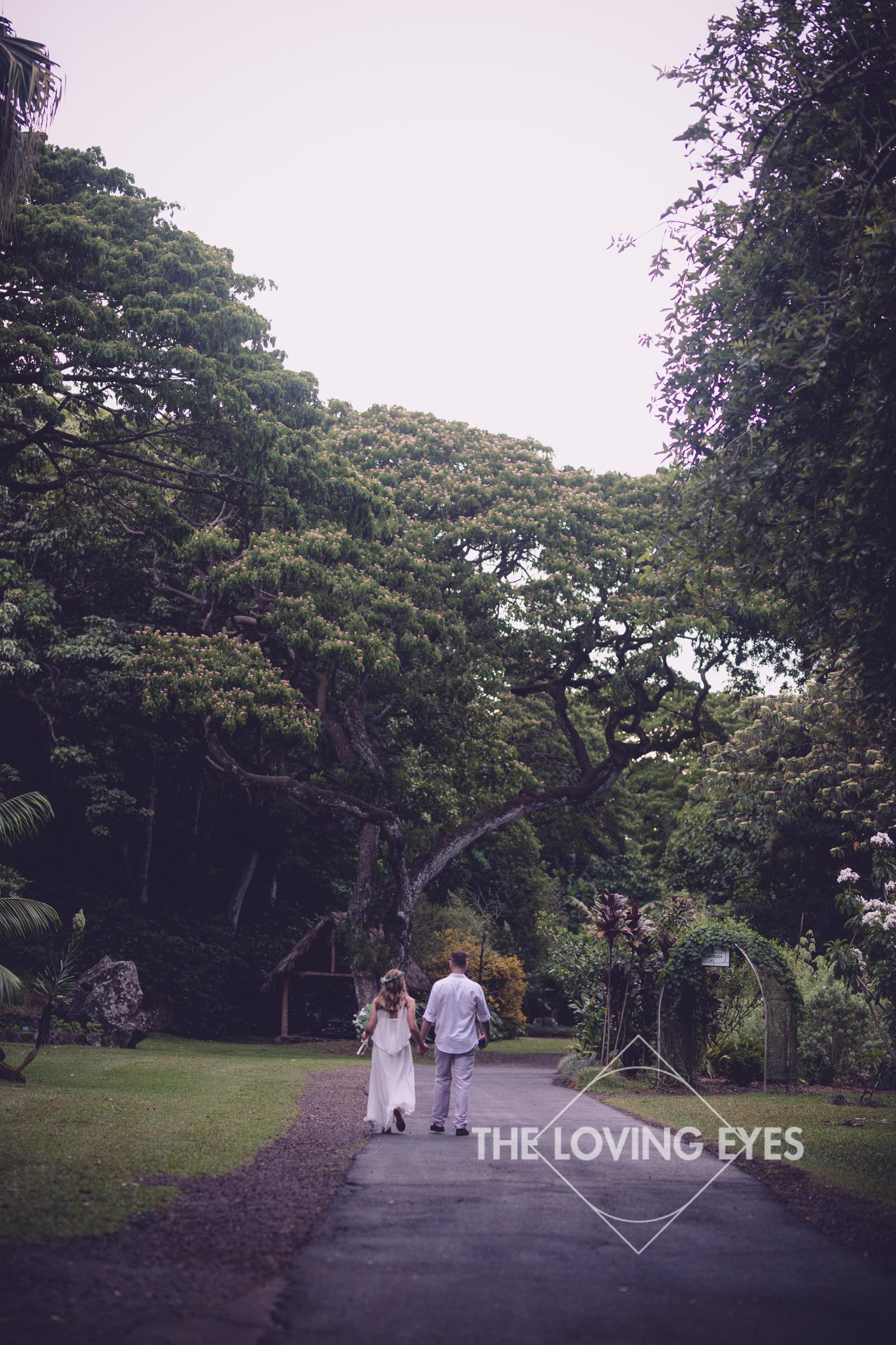 Destination Wedding at Waimea Valley-22.jpg