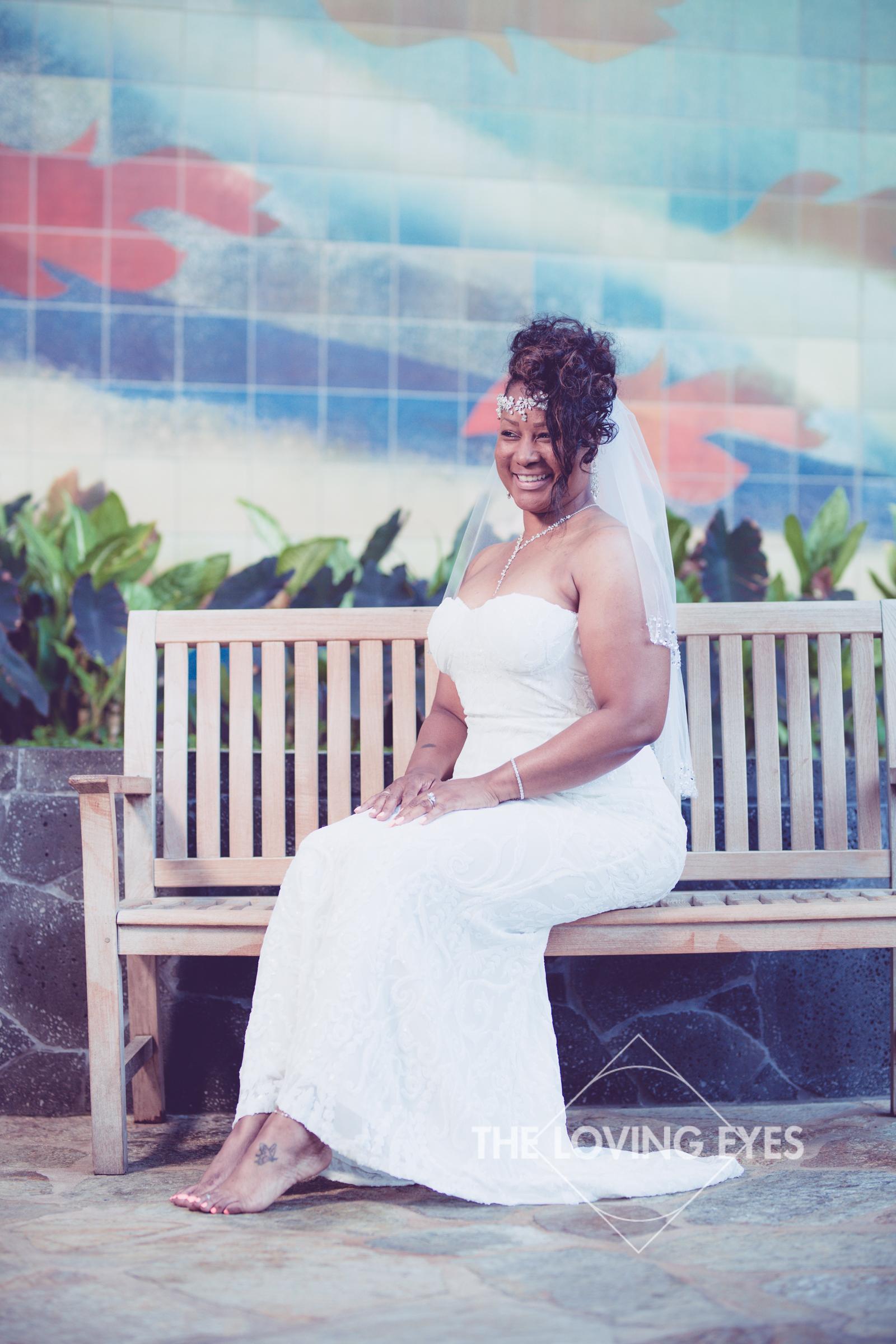 Honeymoon-Photos-in-Waikiki-2.jpg