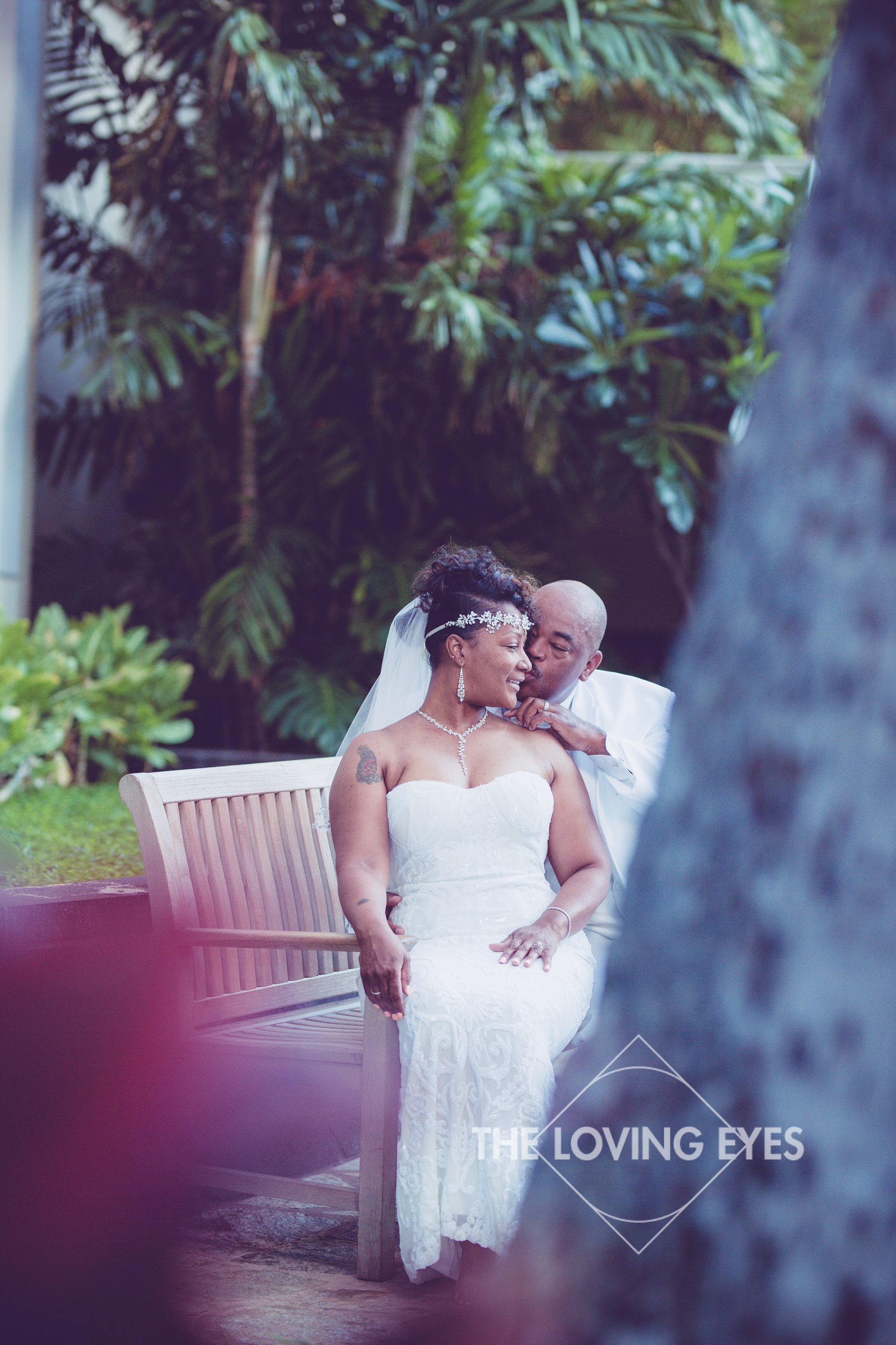 Honeymoon-Photos-in-Waikiki-1.jpg