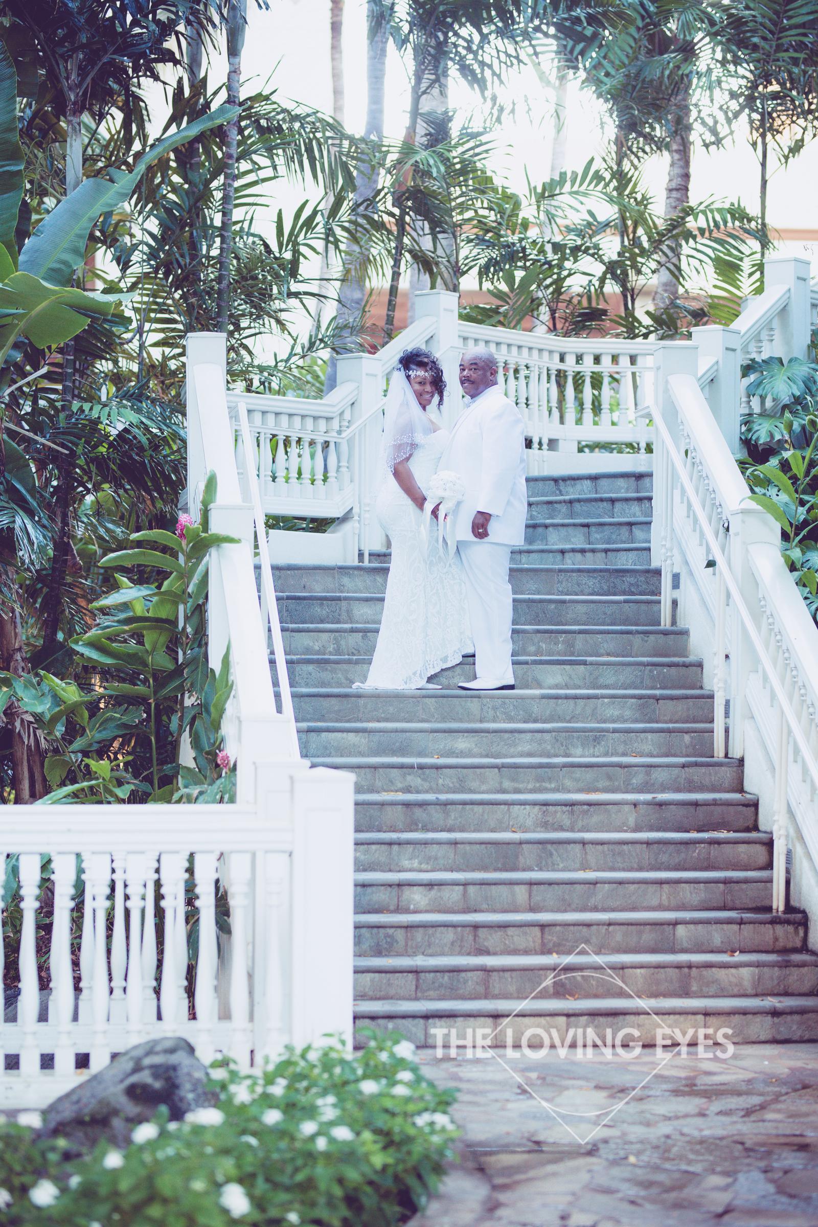 Honeymoon-Photos-in-Waikiki-3.jpg