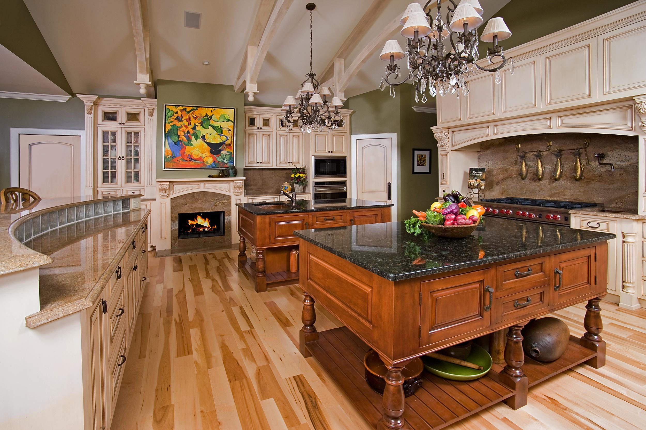 KitchenLeft_F.jpg