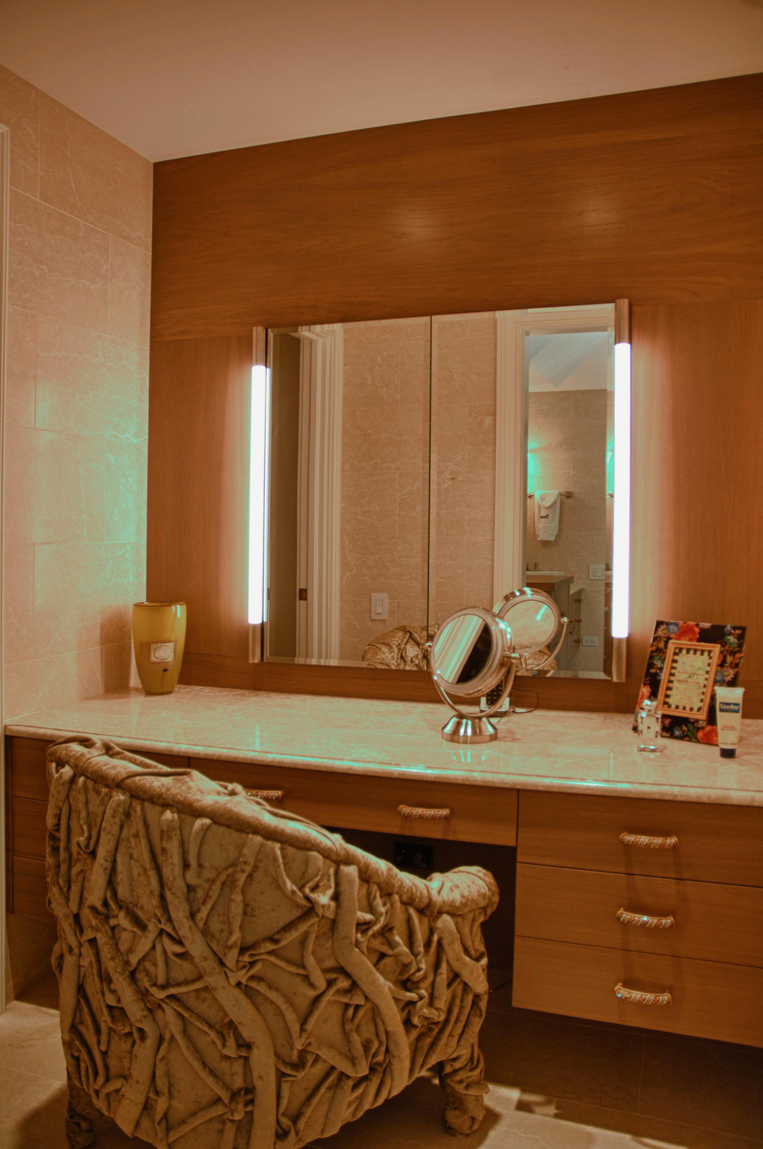 Arkin Make-up Room 01.JPG