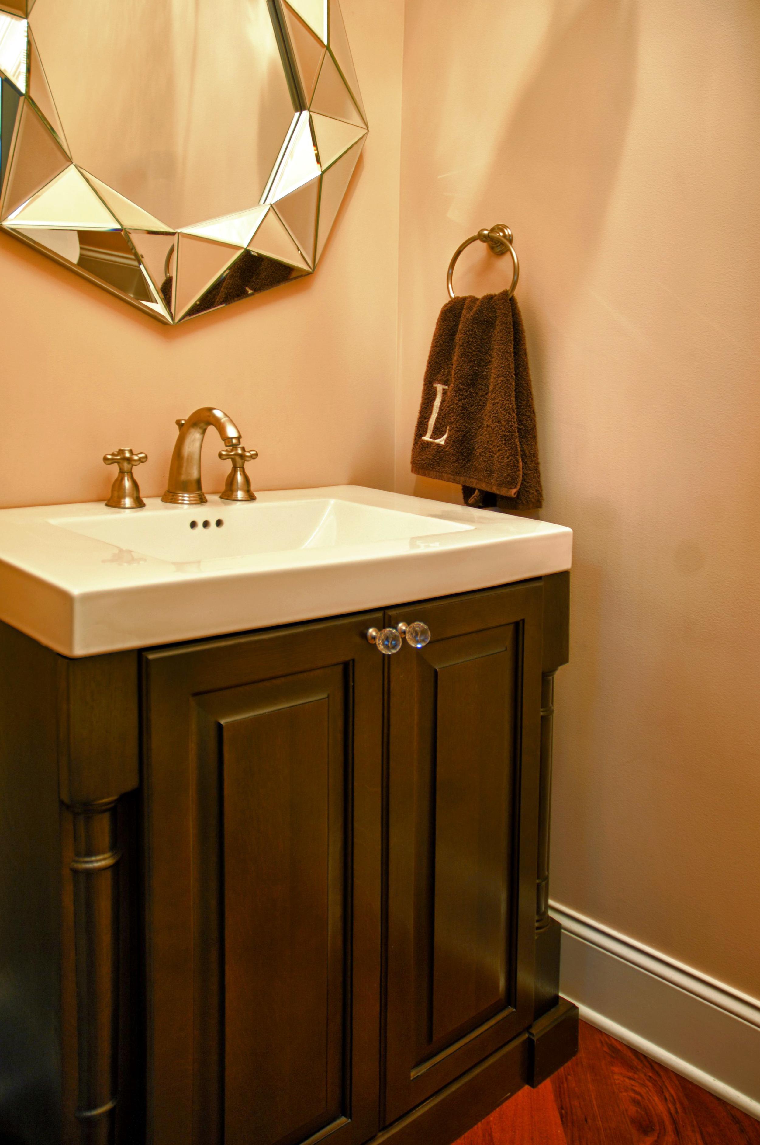 Chin Foyer Bath 01.JPG