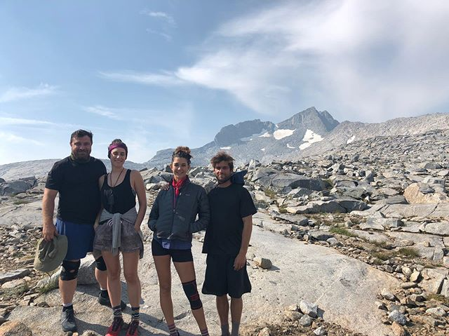 To the two inspiring humans on the left who roped me into doing a 20 day hike last year - @katequackin and Horst - I'll forever be grateful. Wishing you all the luck for finishing the JMT over the next few days. At the very least, you're waaaayyyyy more prepared than we were when we set off to do it last time and I bet you manage to have more smiles than tears this time around. Love you guys, be safe and wave at me from Whitney ❤️