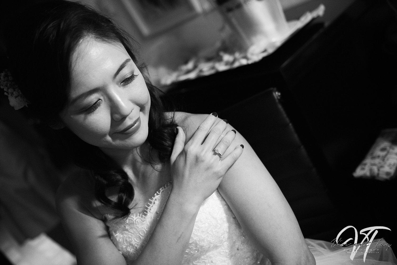 Bride Wedding Pose