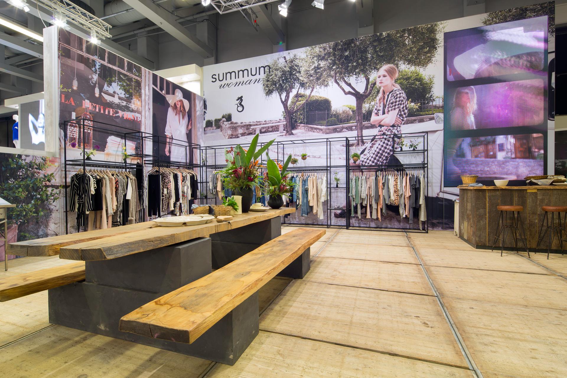 Buck-Design---Summum-Woman---Panorama-Berlin-2015---Standbouwfotografie-#0354.jpg