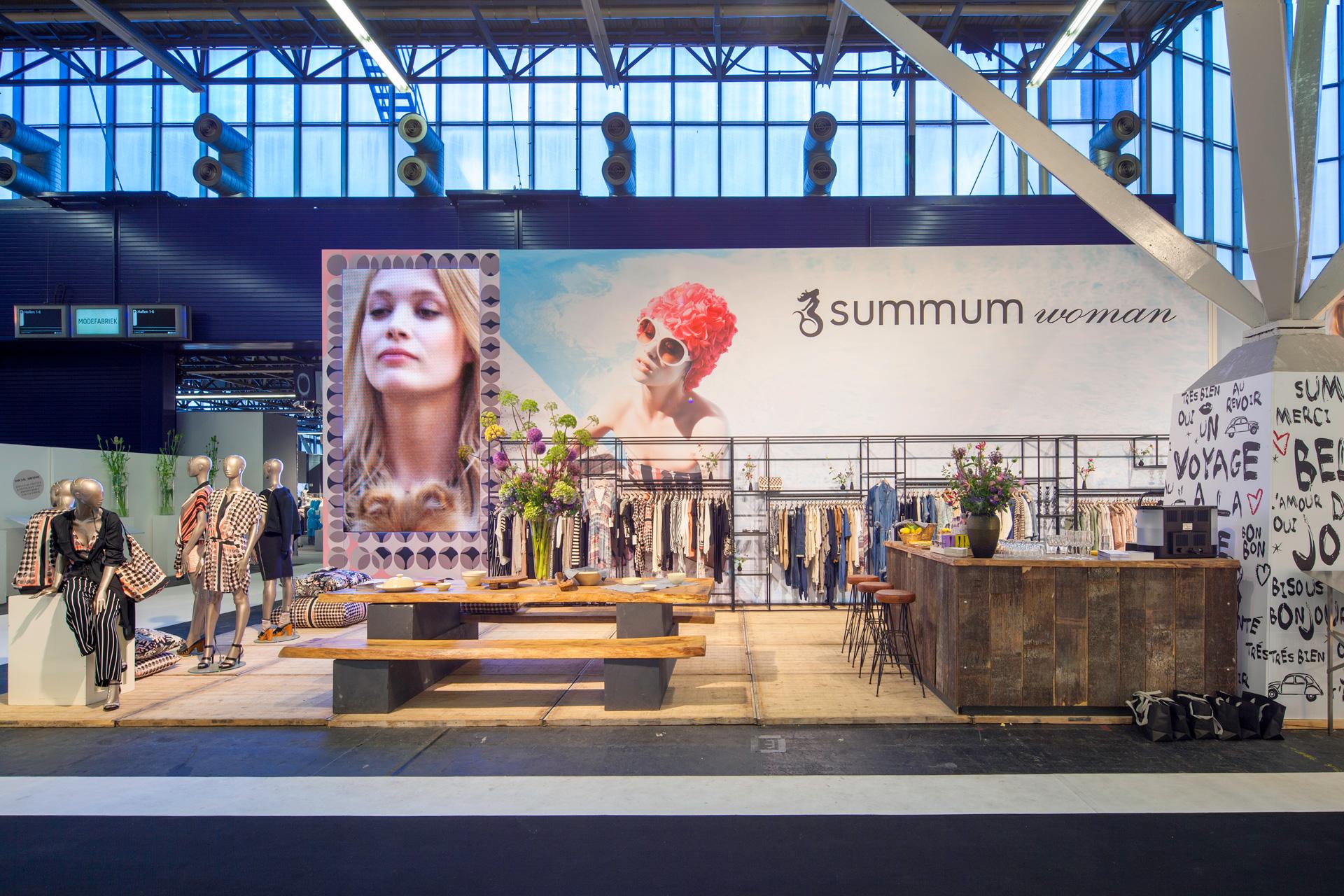 Buck-Design---Summum-Woman---Modefabriek-juli-2015---Standbouwfotografie-#0071.jpg