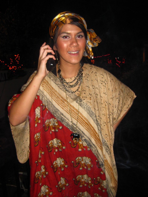 Call me now for your free reading! Miss Cleo. 2009.