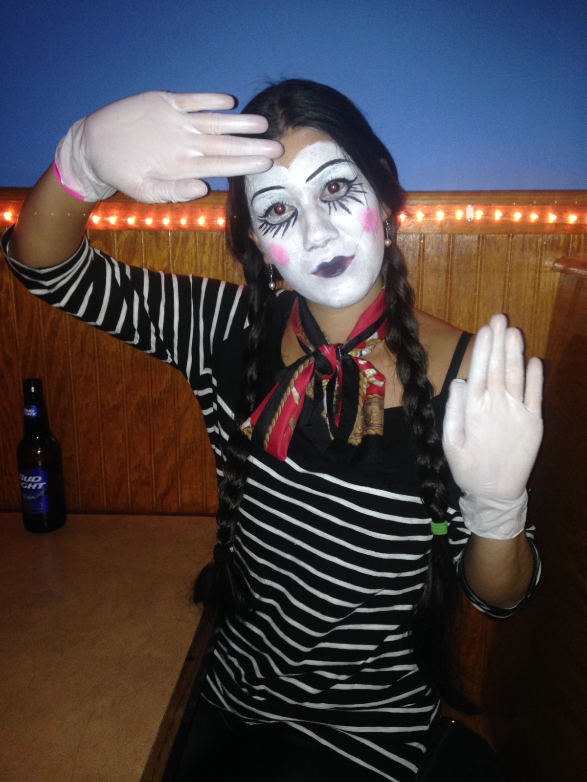 Mime. 2013.