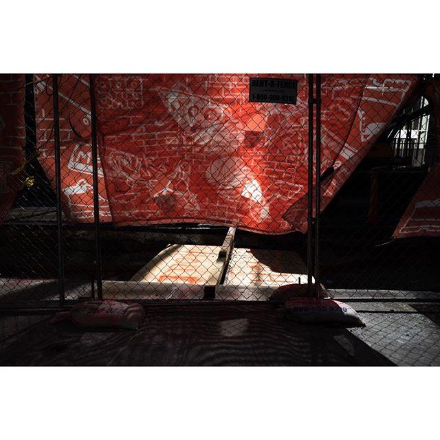 New-York • • • • • #fragmentphotos #burnmyeye #upsp #everybodystreet #cobblescope #ifyouleave #minimalzine #rentalmag #burnmagazine  #leica #leica_photos #leicacamerafrance #capturestreets #myfeatureshoot #lensculture #HCSC_street #ourstreets #intercollective #life_is_street #streetleaks #wearegrryo #fisheyelemag #streetoptimist #streetphotographers #StreetPhotographyMagazine #fromstreetswithlove #myspc