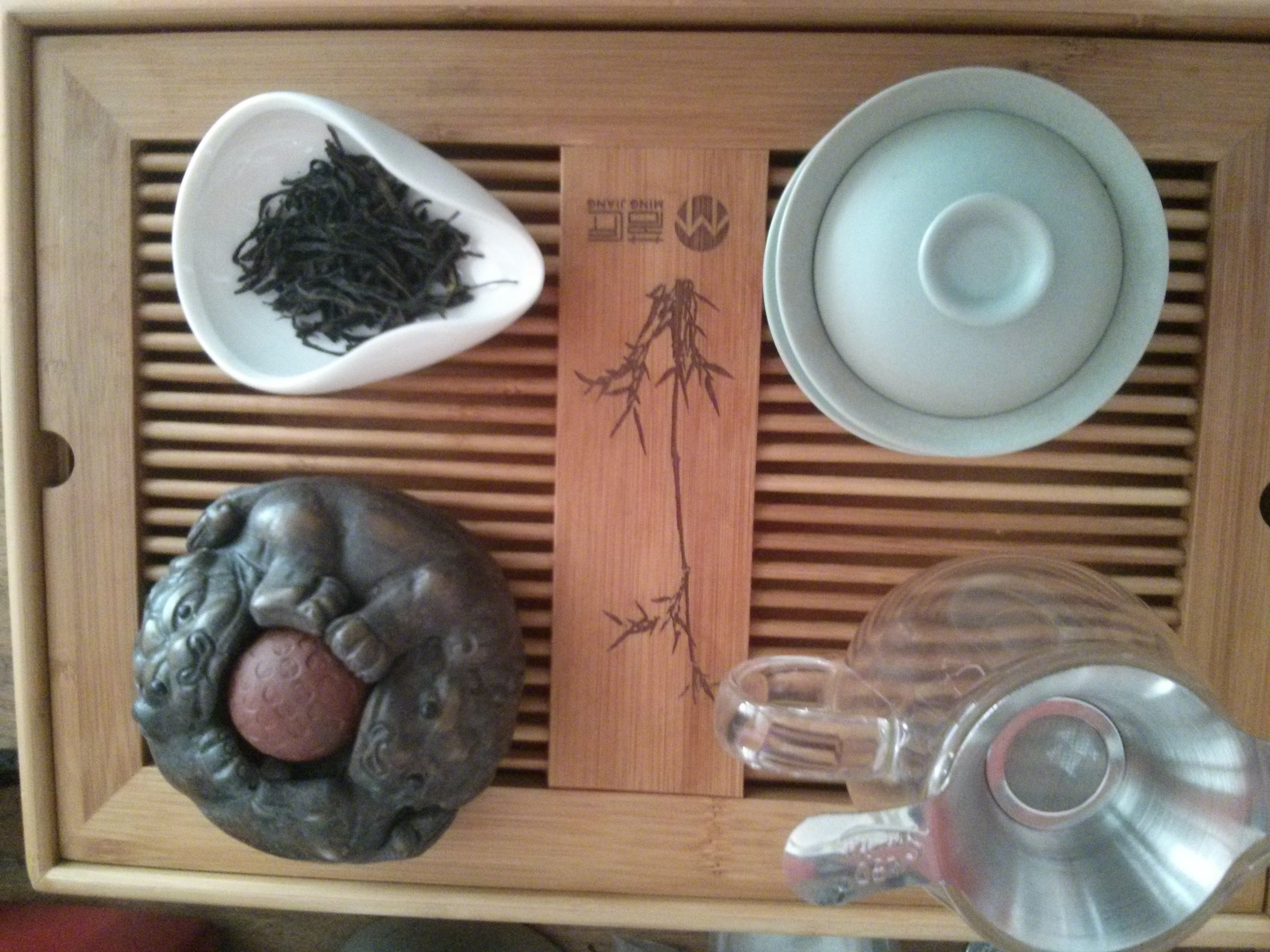 The setup. I tried out a new tea pet, but I think it's way too large for my purposes.