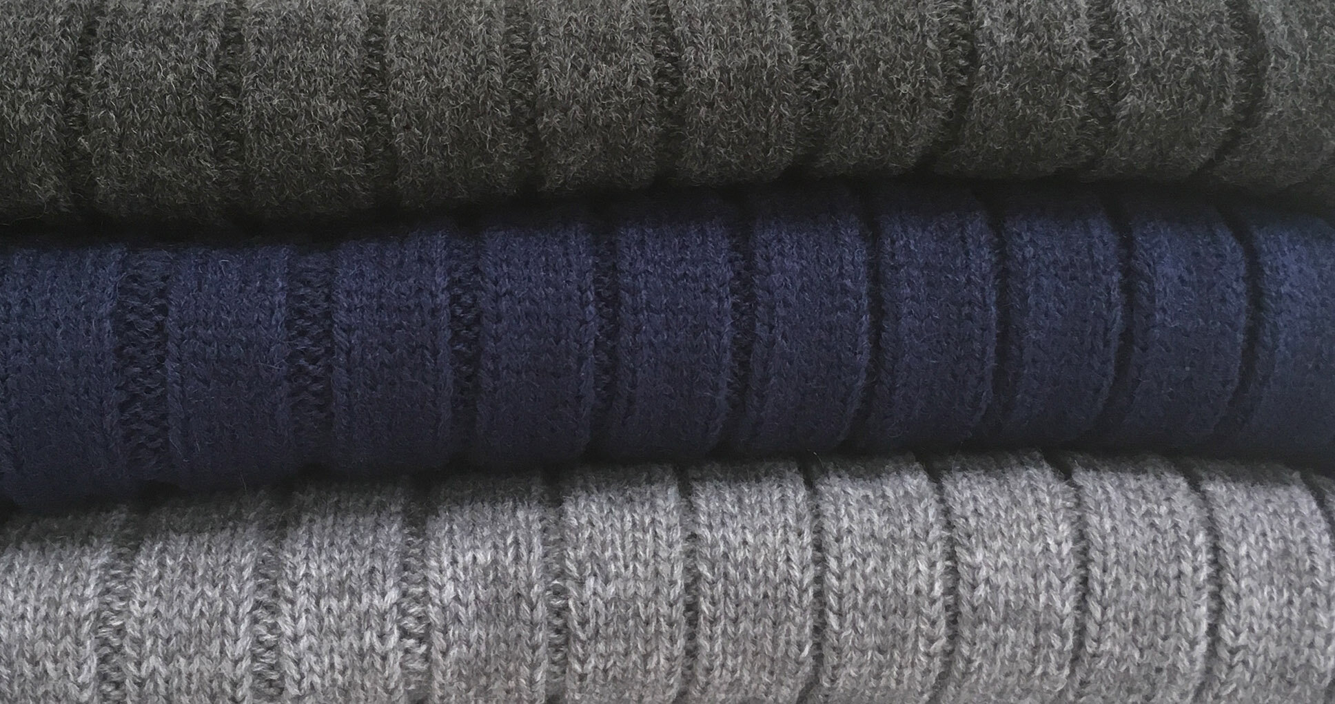 MEN'S KNIT - Warm, comfortable, everyday staple.