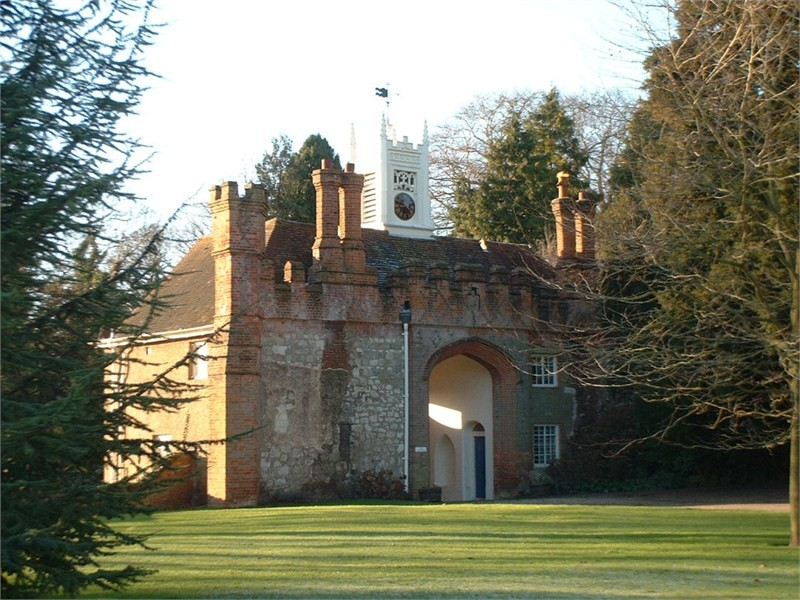 Farnham Castle at the top of the town