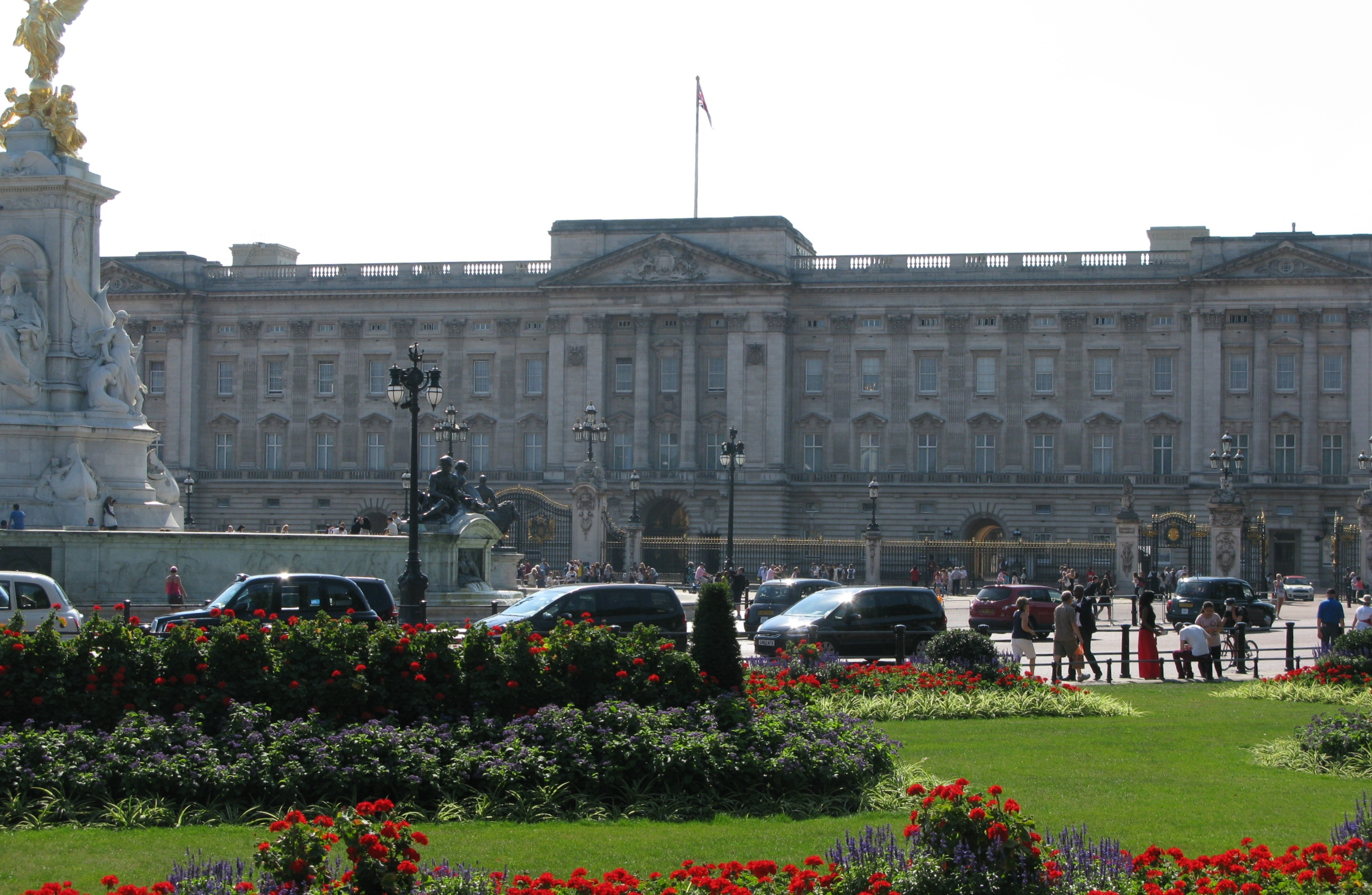 Buckingham Palace in colour