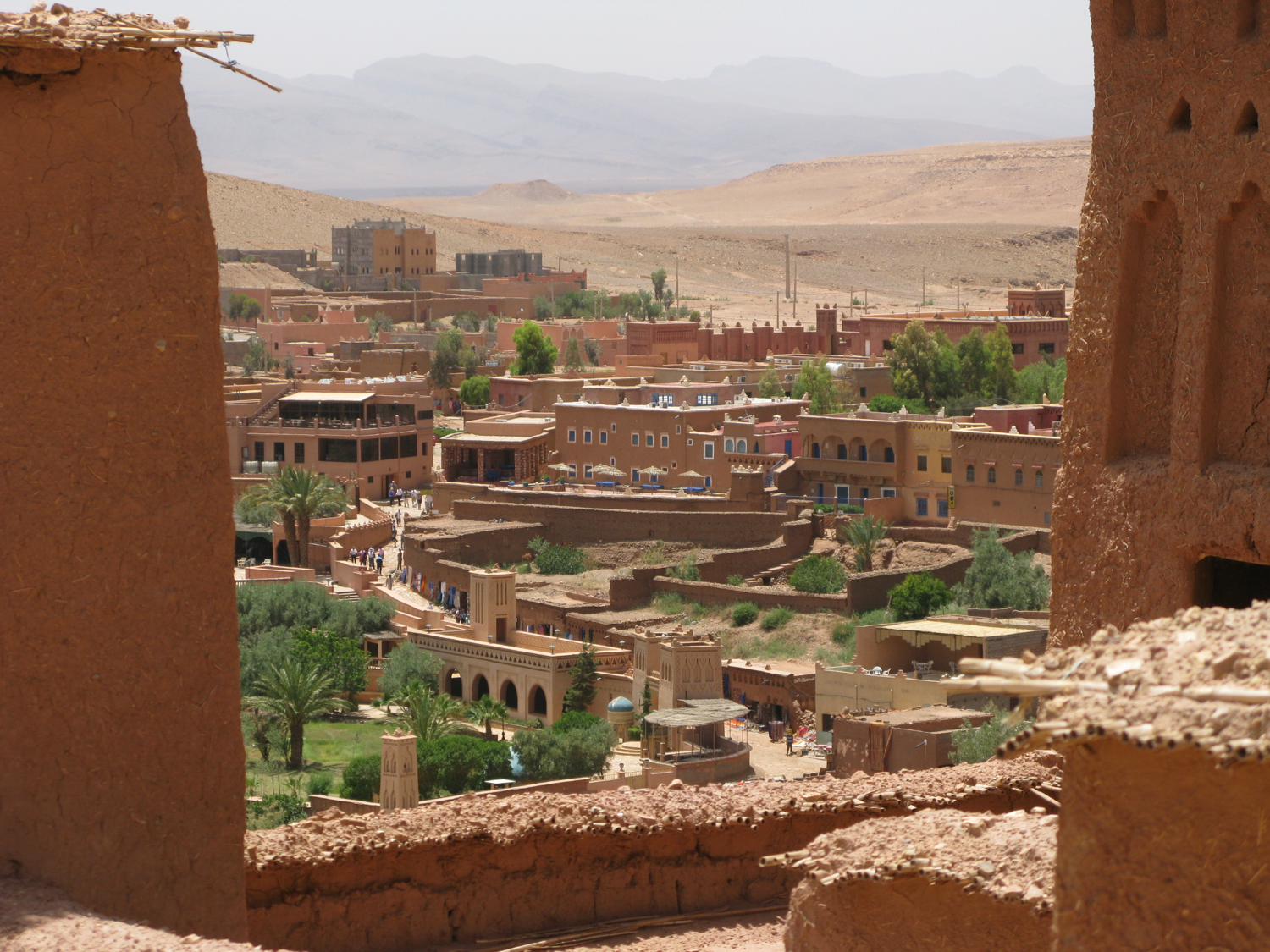 Looking from the old to the new town, Ait-Bbenhaddou