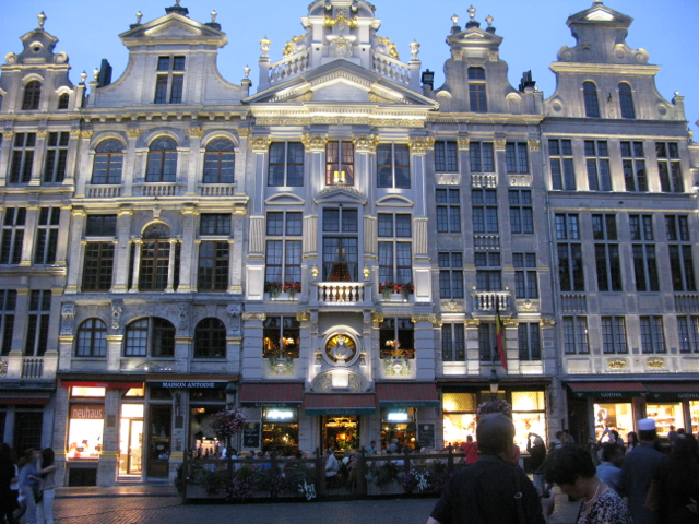 The square by night