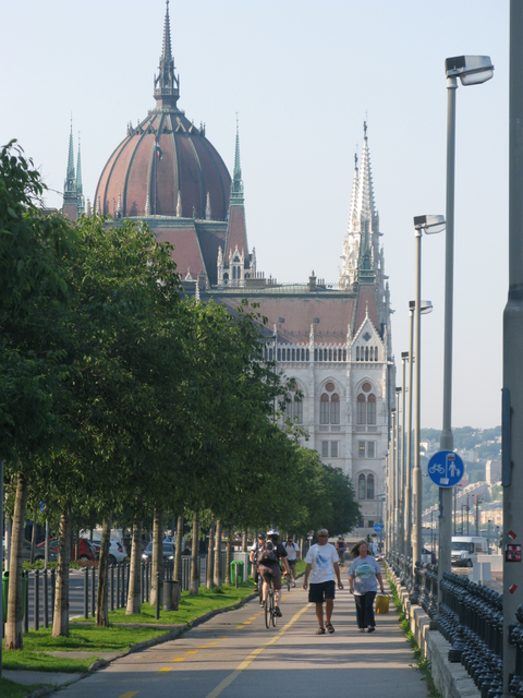 Early morning walk along the banks of the Danube towards Parliament Buildings
