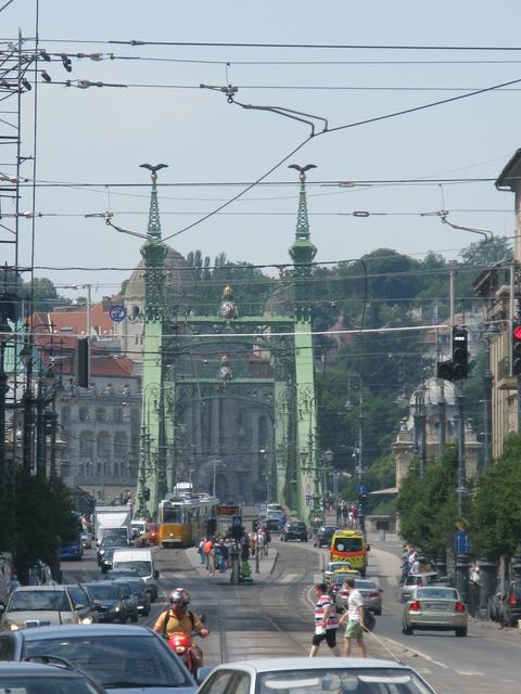 Chain bridge looking towards the Buda side