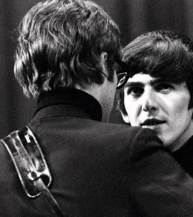 John Lennon and George Harrison in late 1963.