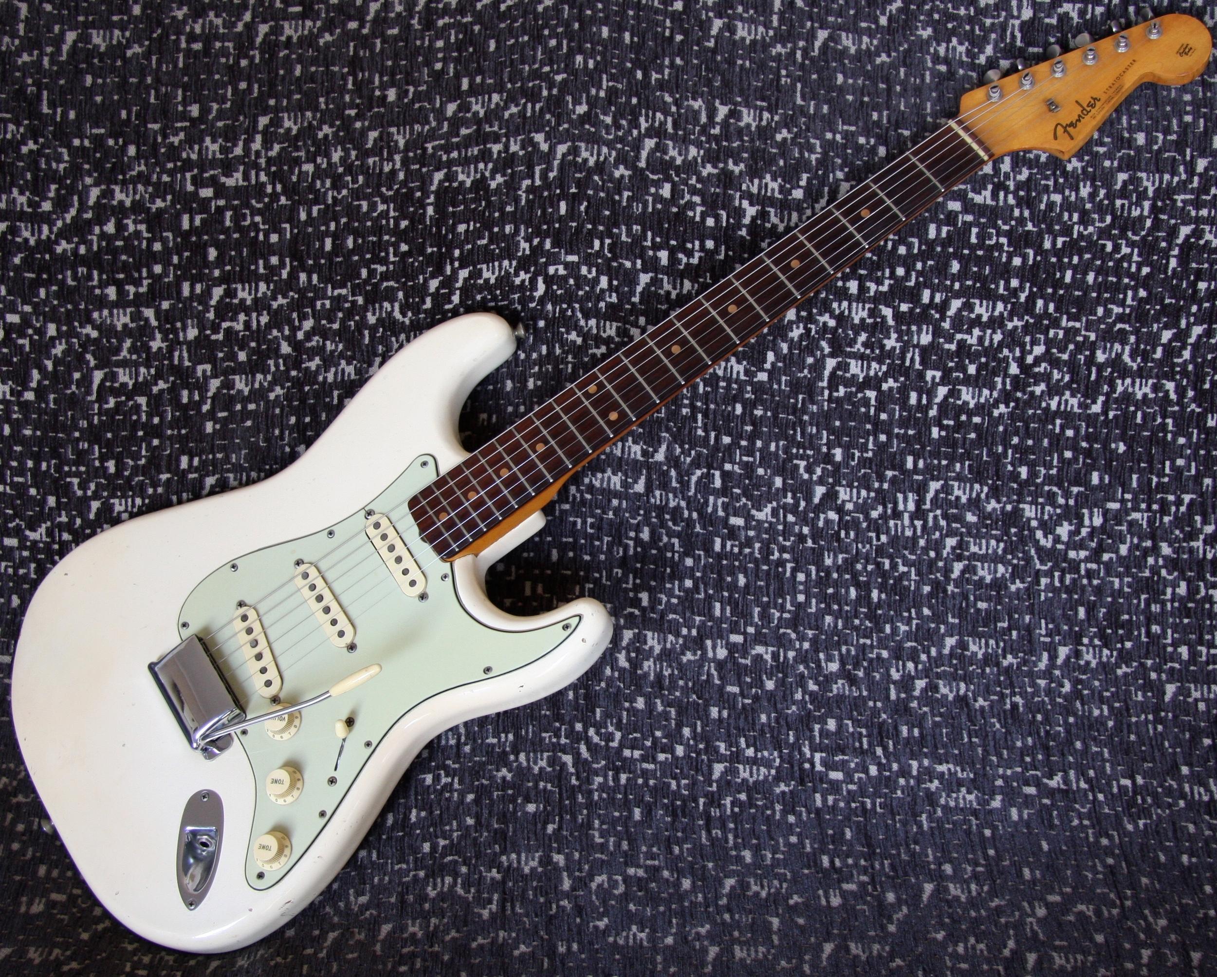 1962 Fender Stratocaster - Olympic White