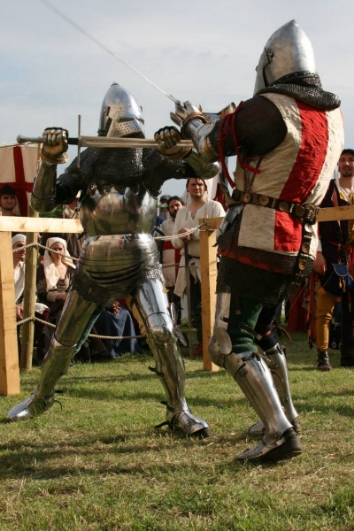 Medieval Classes -  Christian Cameron  fighting at a Medieval tournament in Verona, Italy.