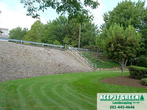 Commercial landscape maintenance.   Clifton, NJ  07014