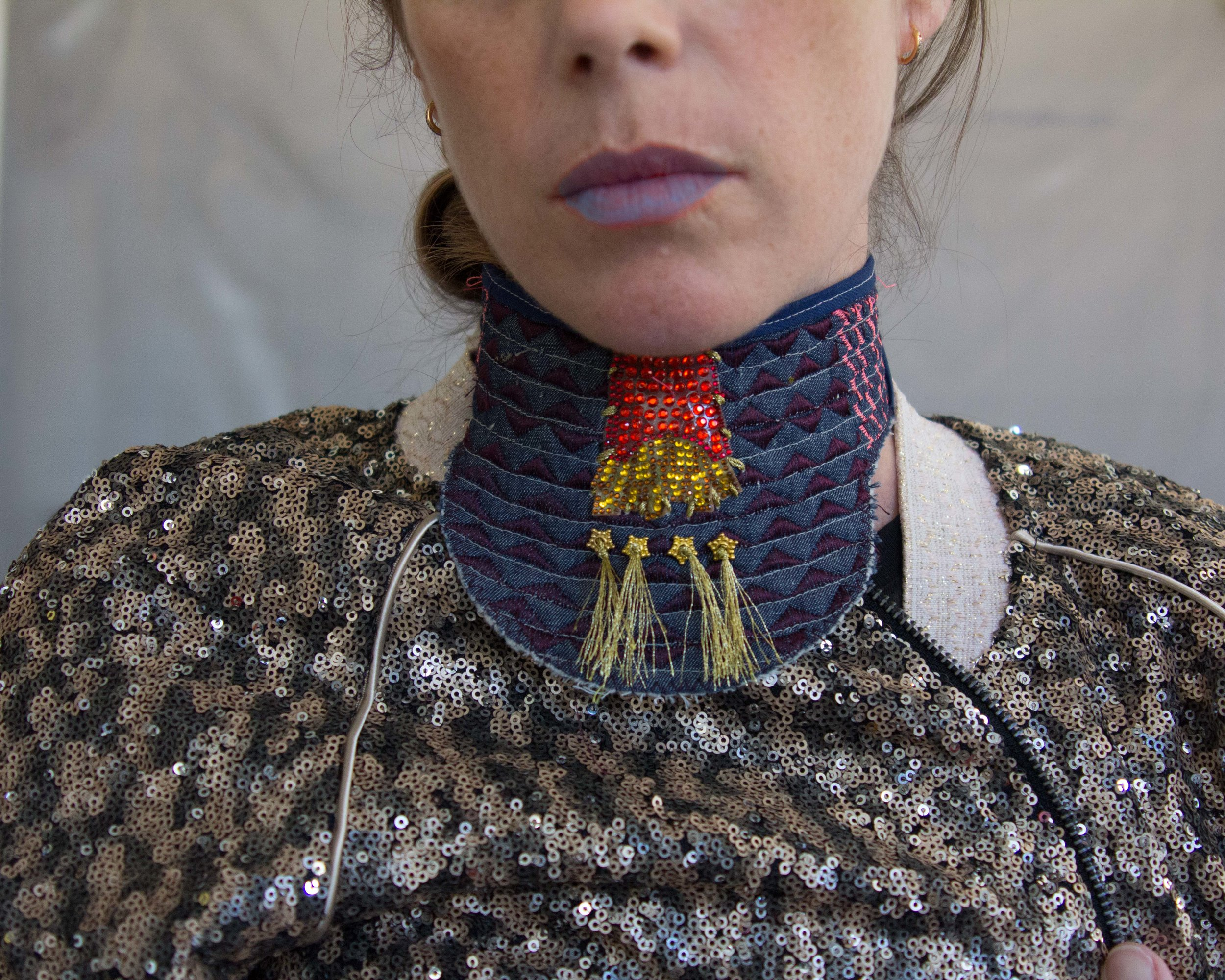 Dissent Collar #9 (blue lips)